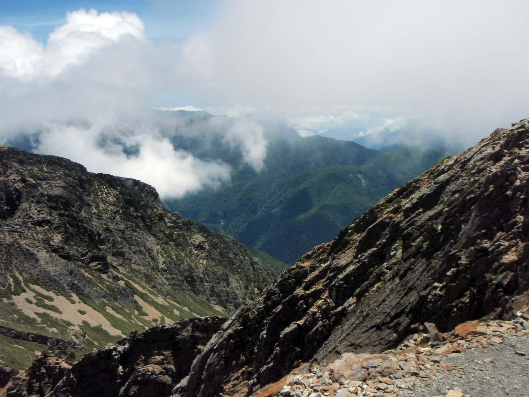 towards the north peak.jpg