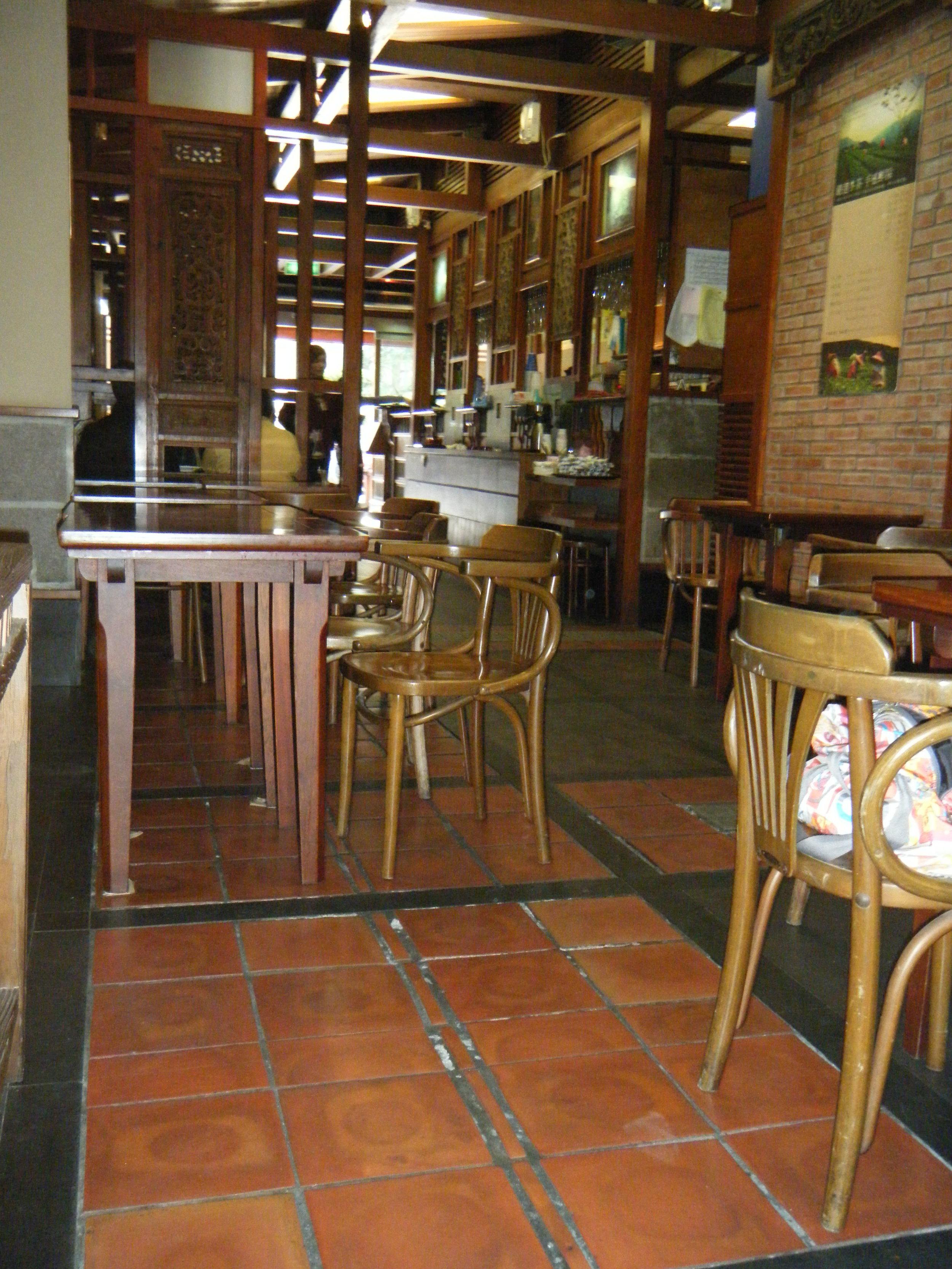 Chun Shuei Tang teahouse 12-17-10.jpg