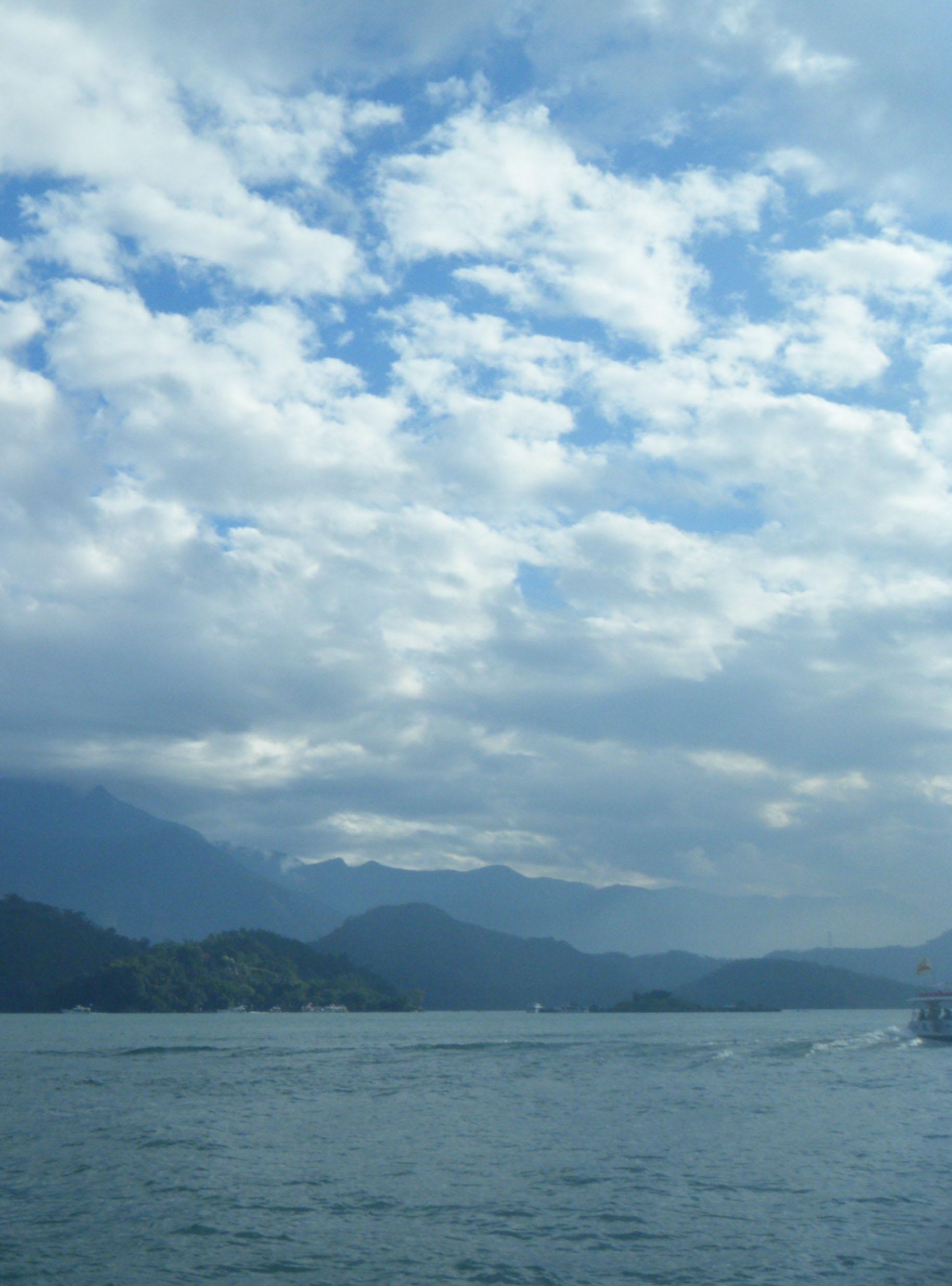 Sun Moon Lake 2.jpg