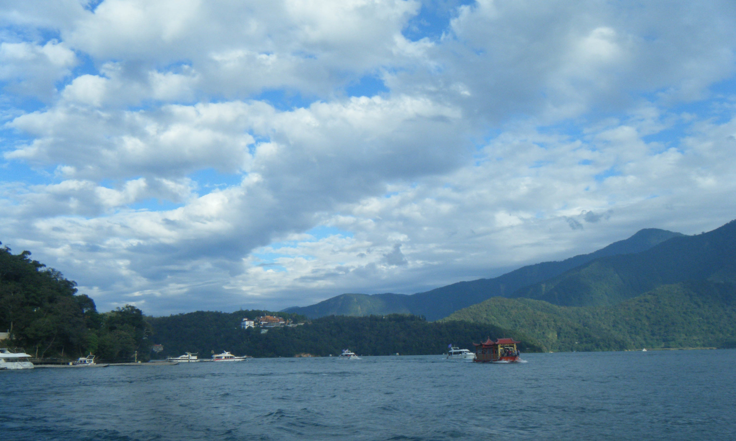 Sun Moon Lake boat trip.jpg