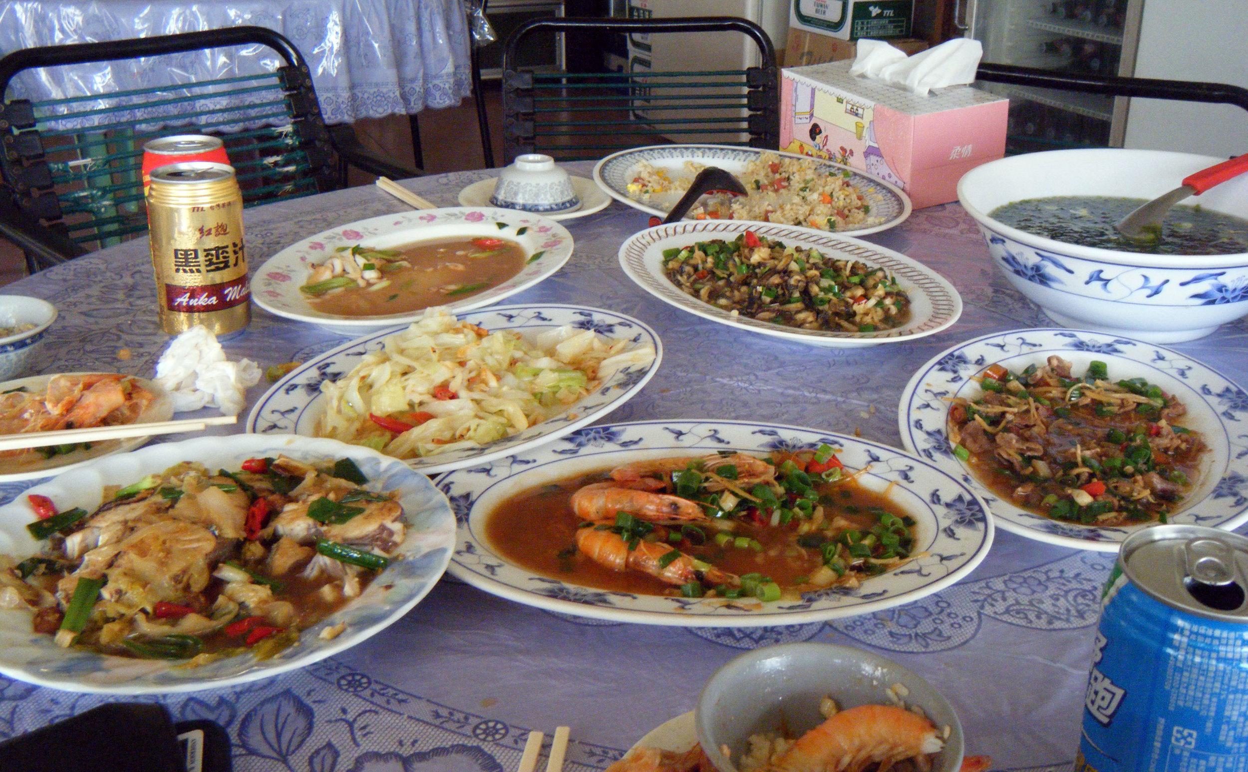 Cingwan seafood feast.jpg