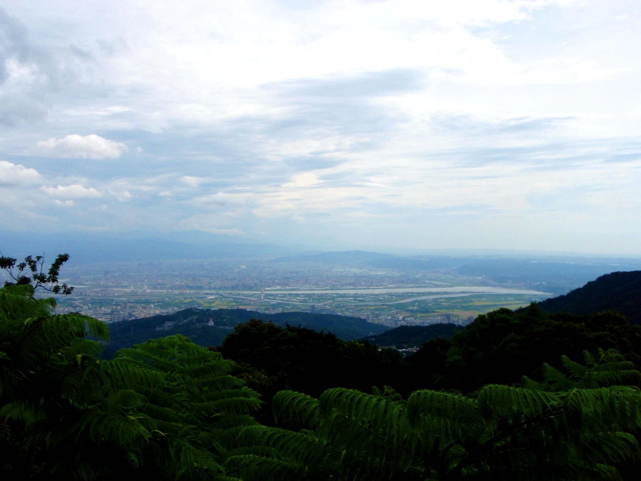 Taipei from Yangmingshan.jpg