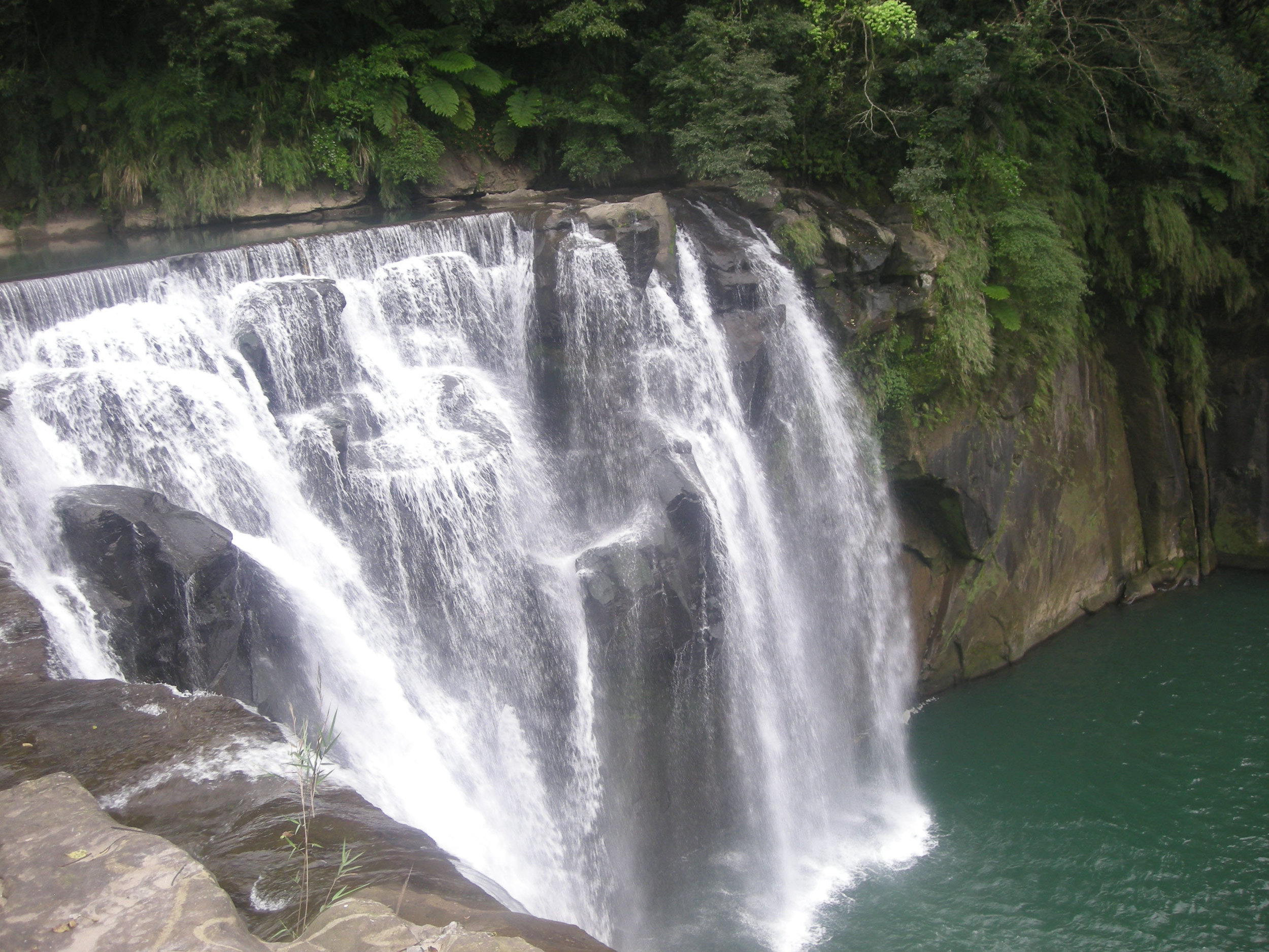 Eyeglasses waterfall 3.jpg