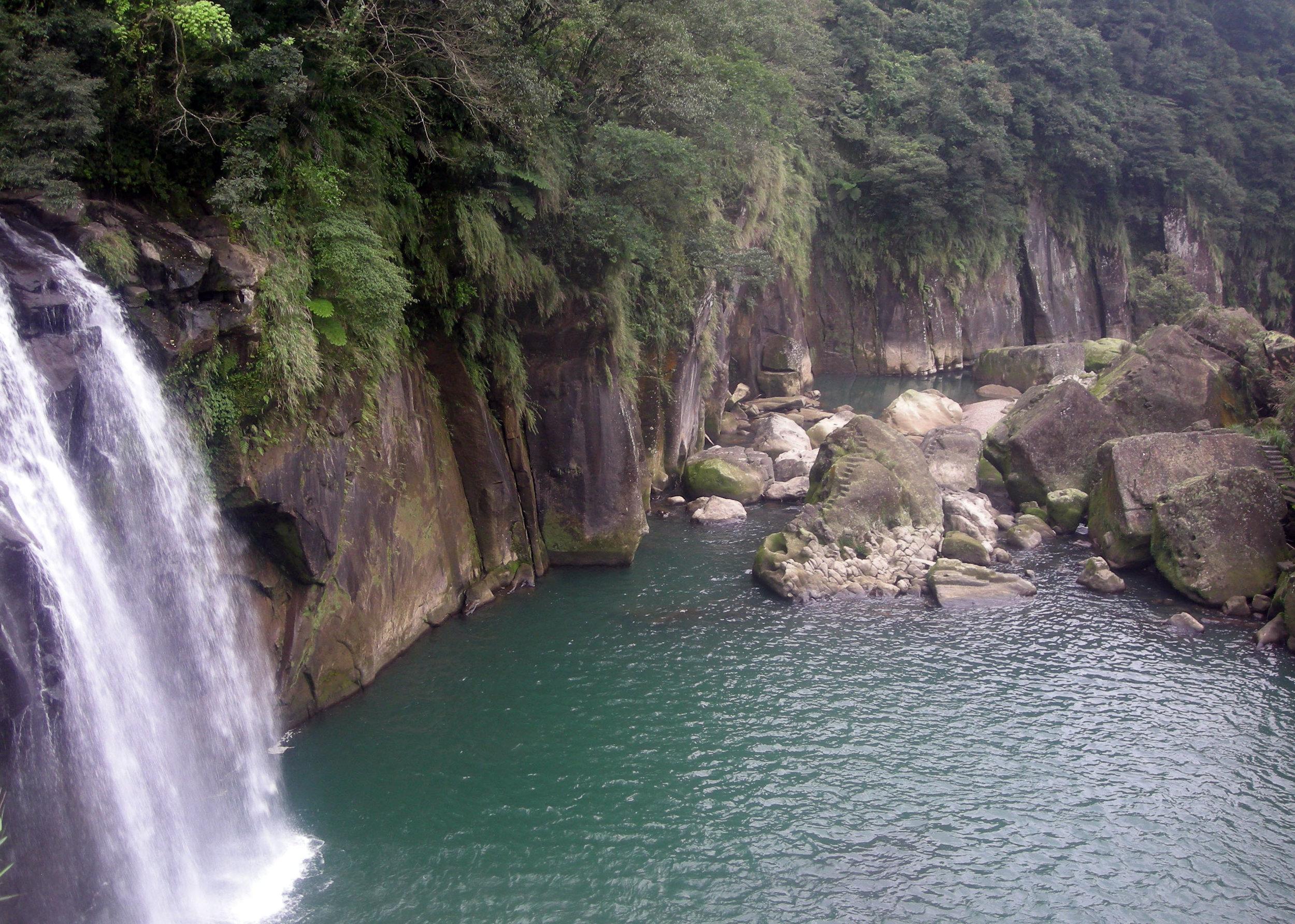 Pingshi grotto.jpg