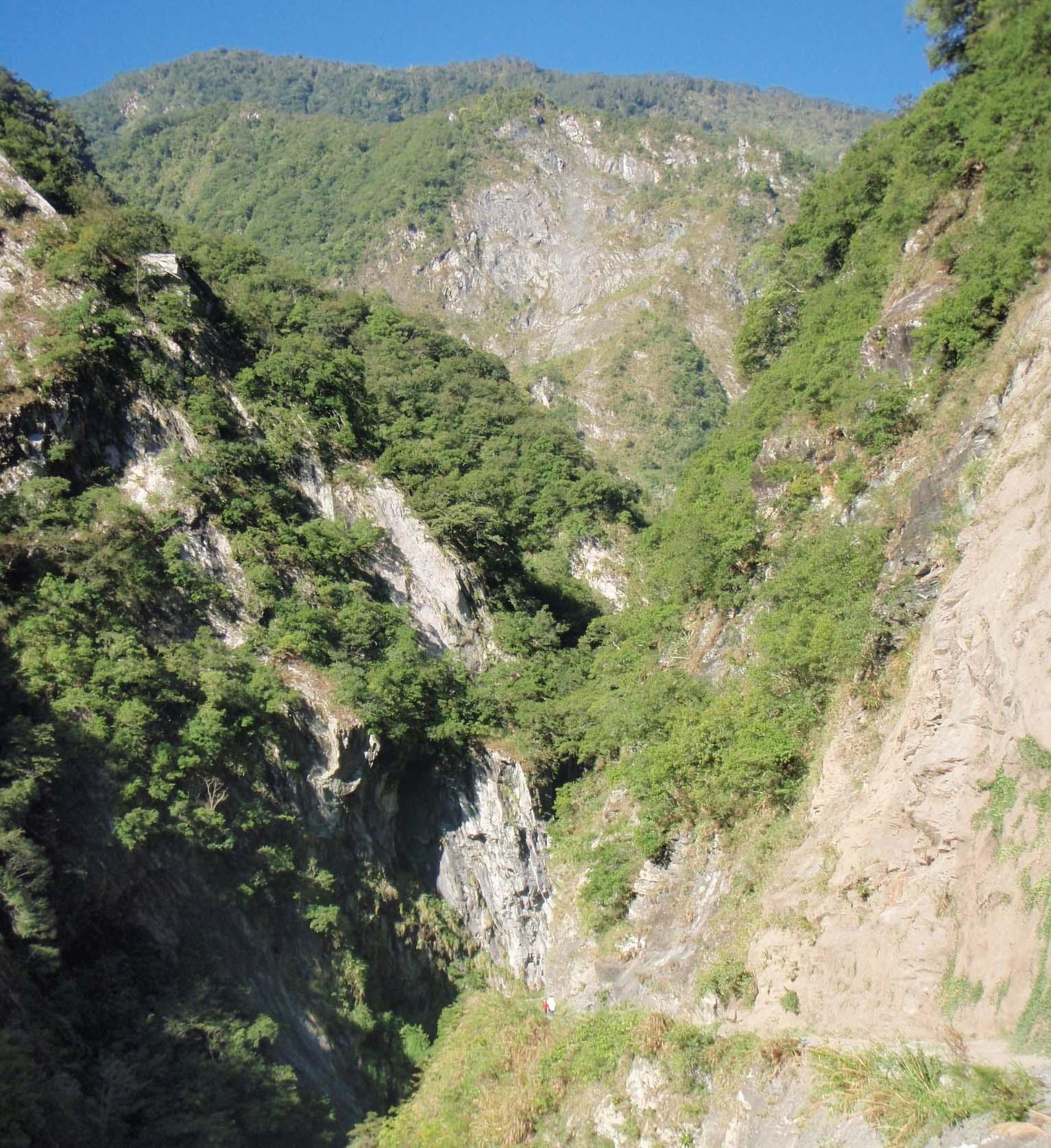 Baiyang waterfall trail.jpg