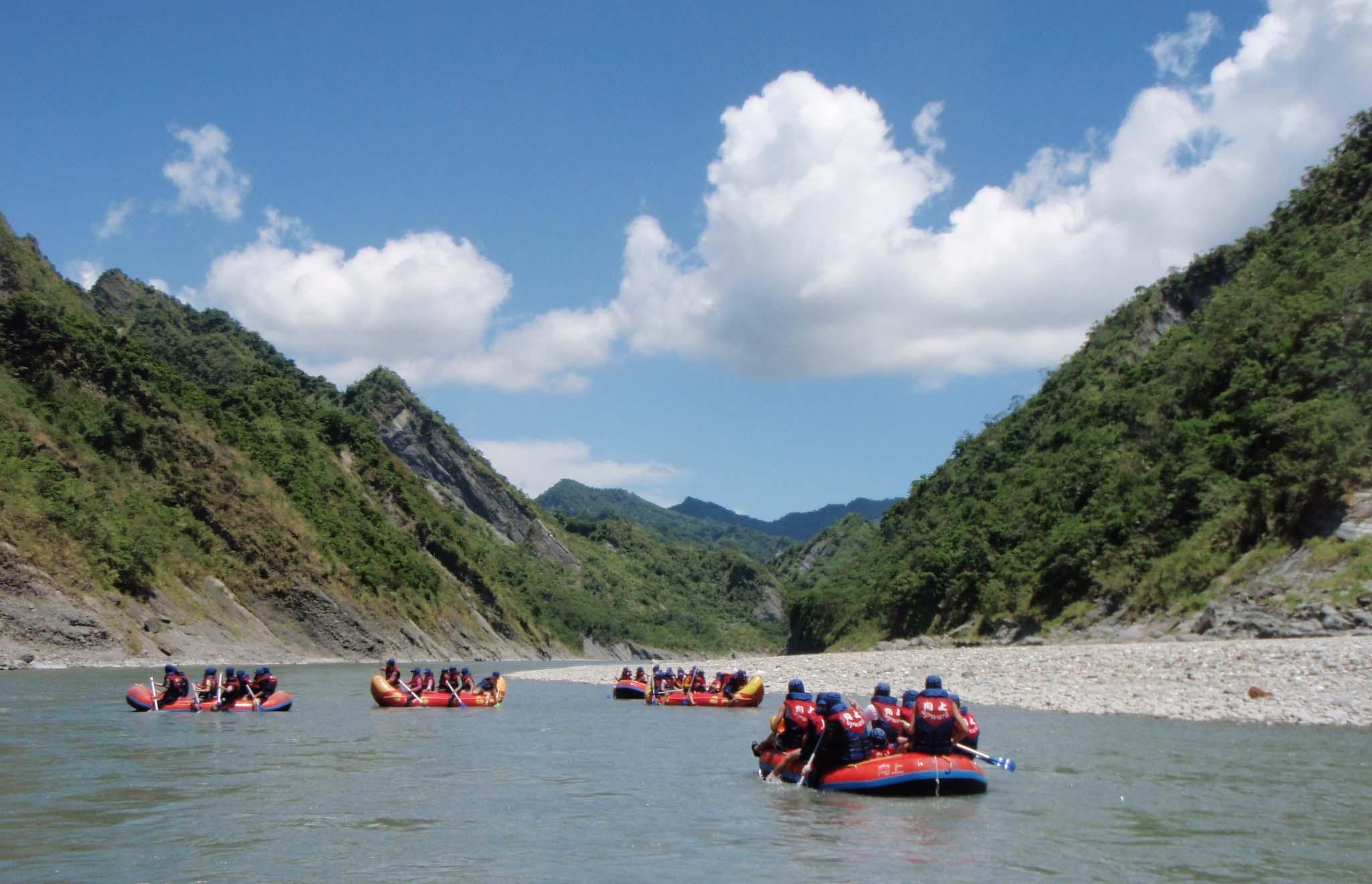Hsiaoguluan raft trip.jpg