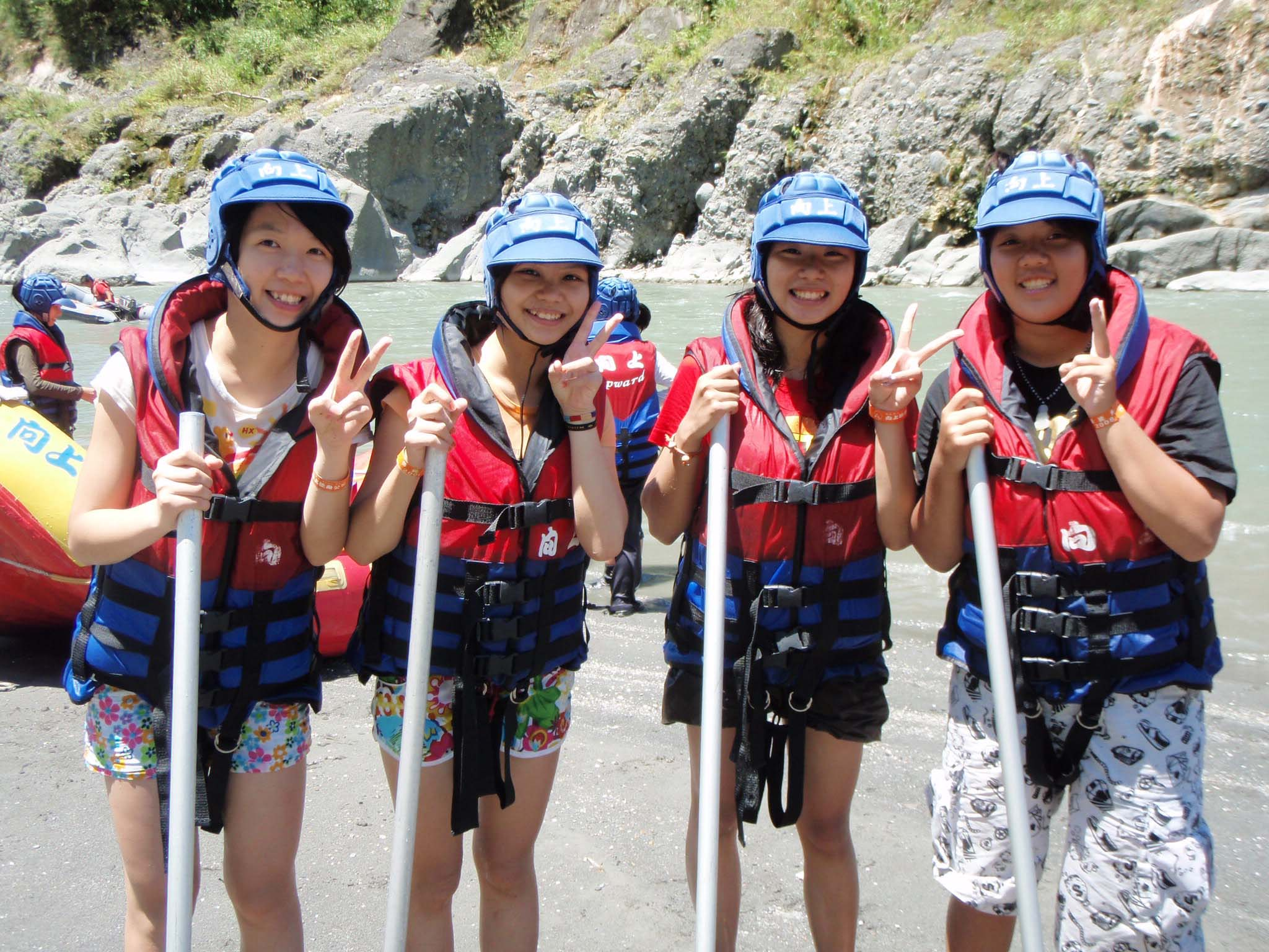 Hualien girls!.jpg