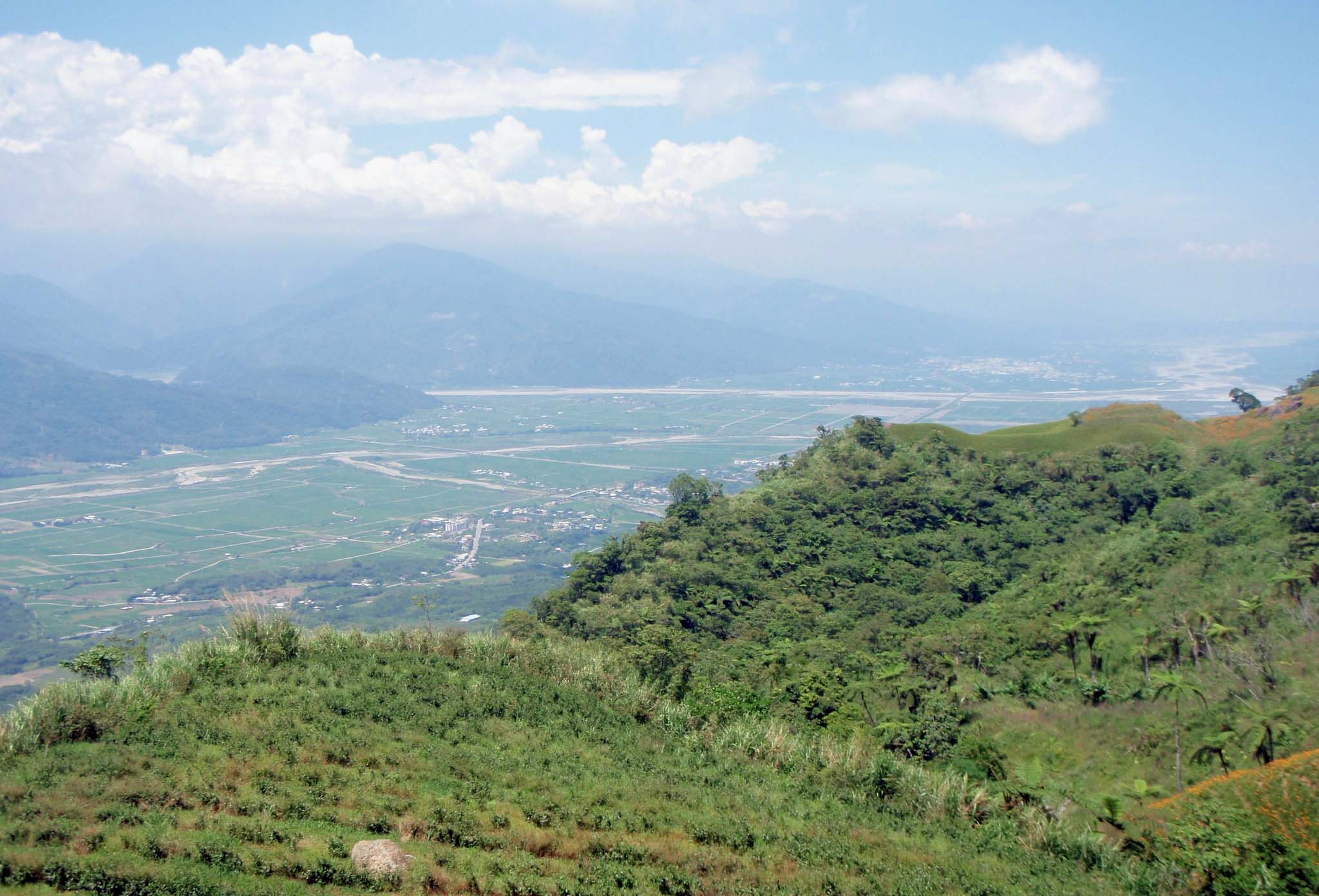 East rift valley from 60 Stone Mountain.jpg