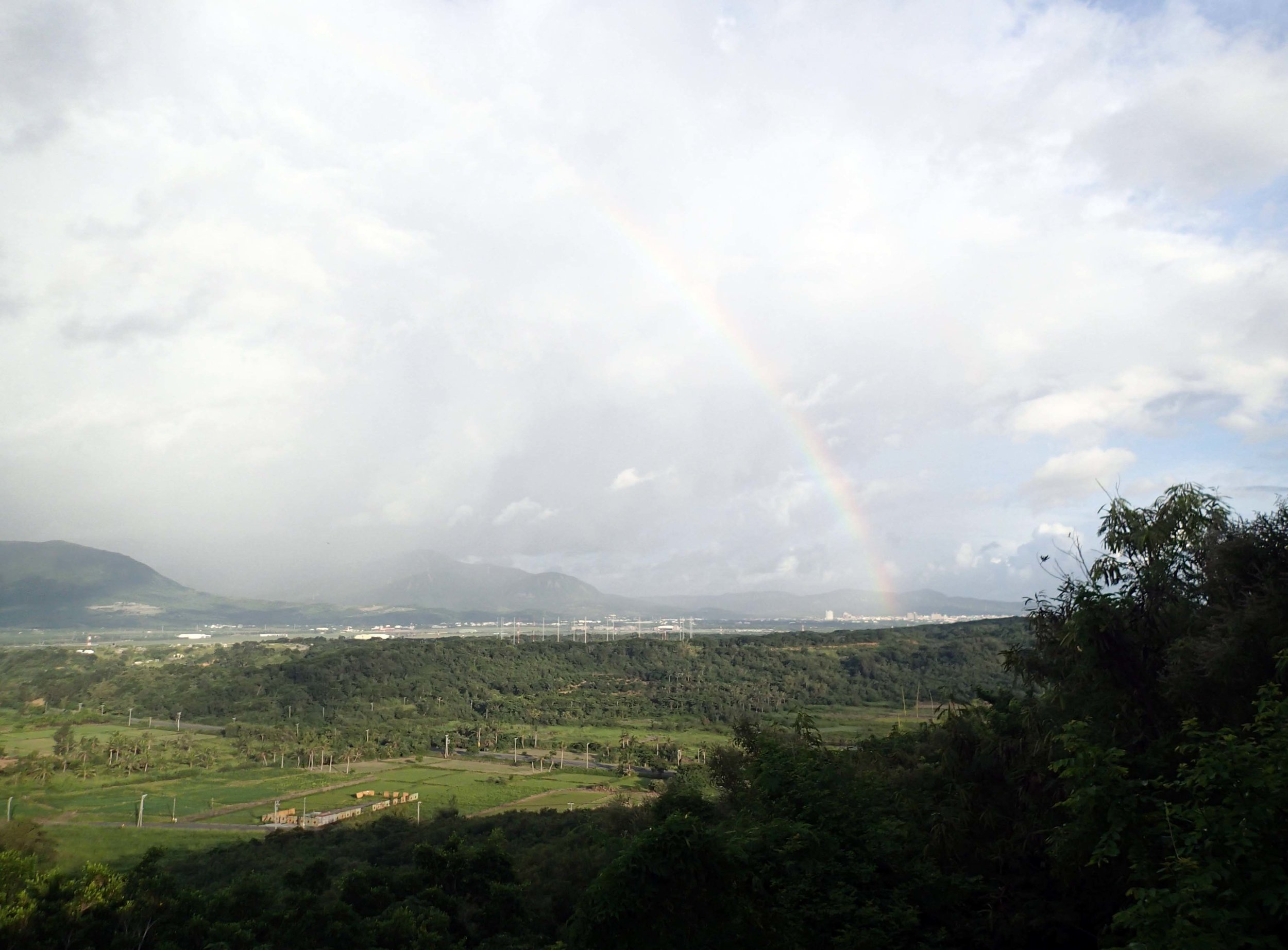 rainbow over Hengchun plain.jpg