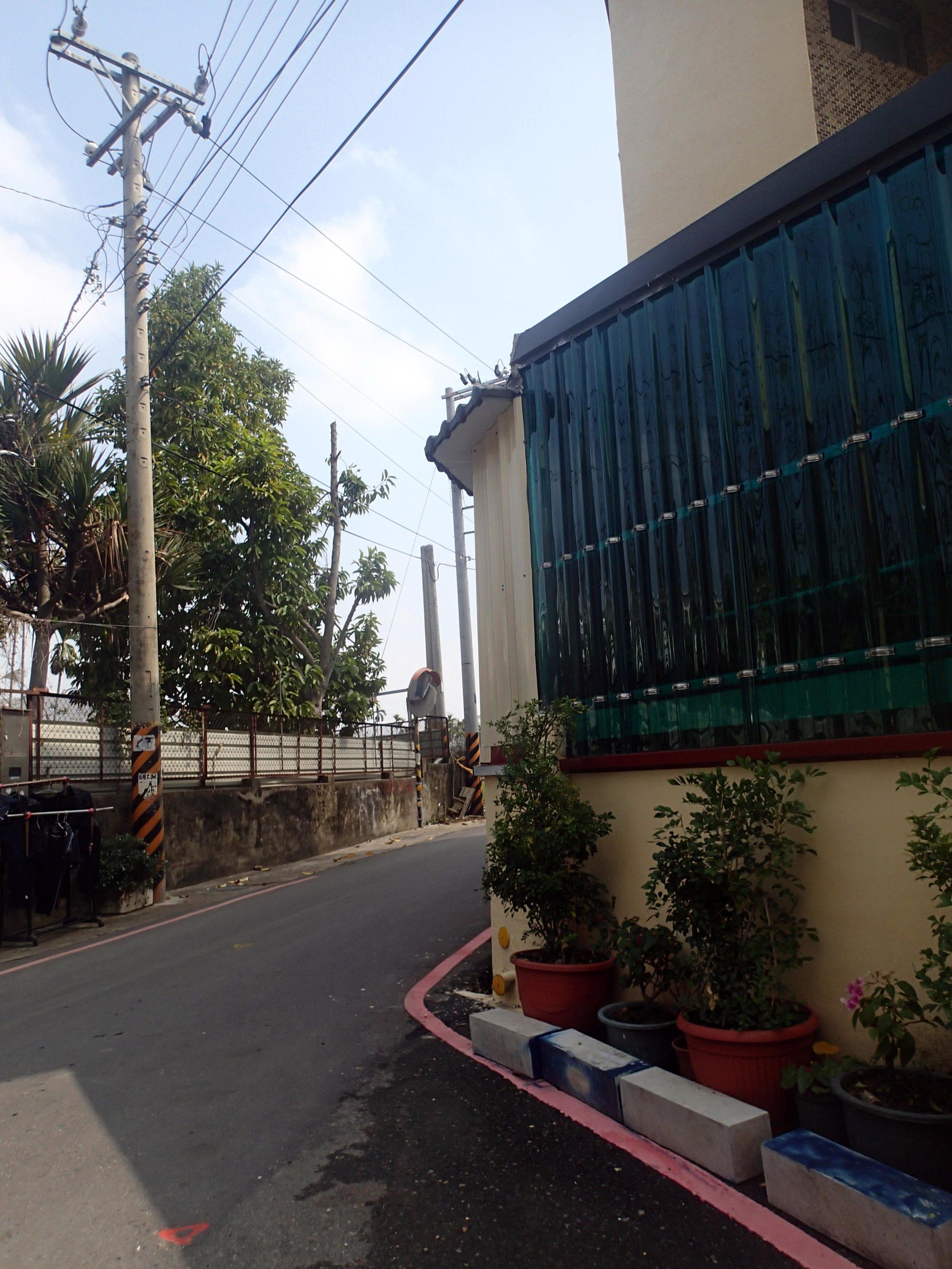 June's neighbors in Zhongpu.jpg