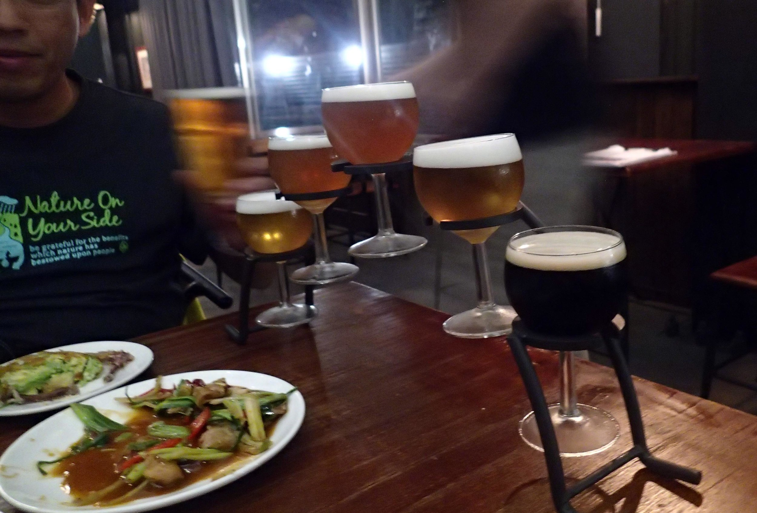 craft beer and Taiwanese food.jpg