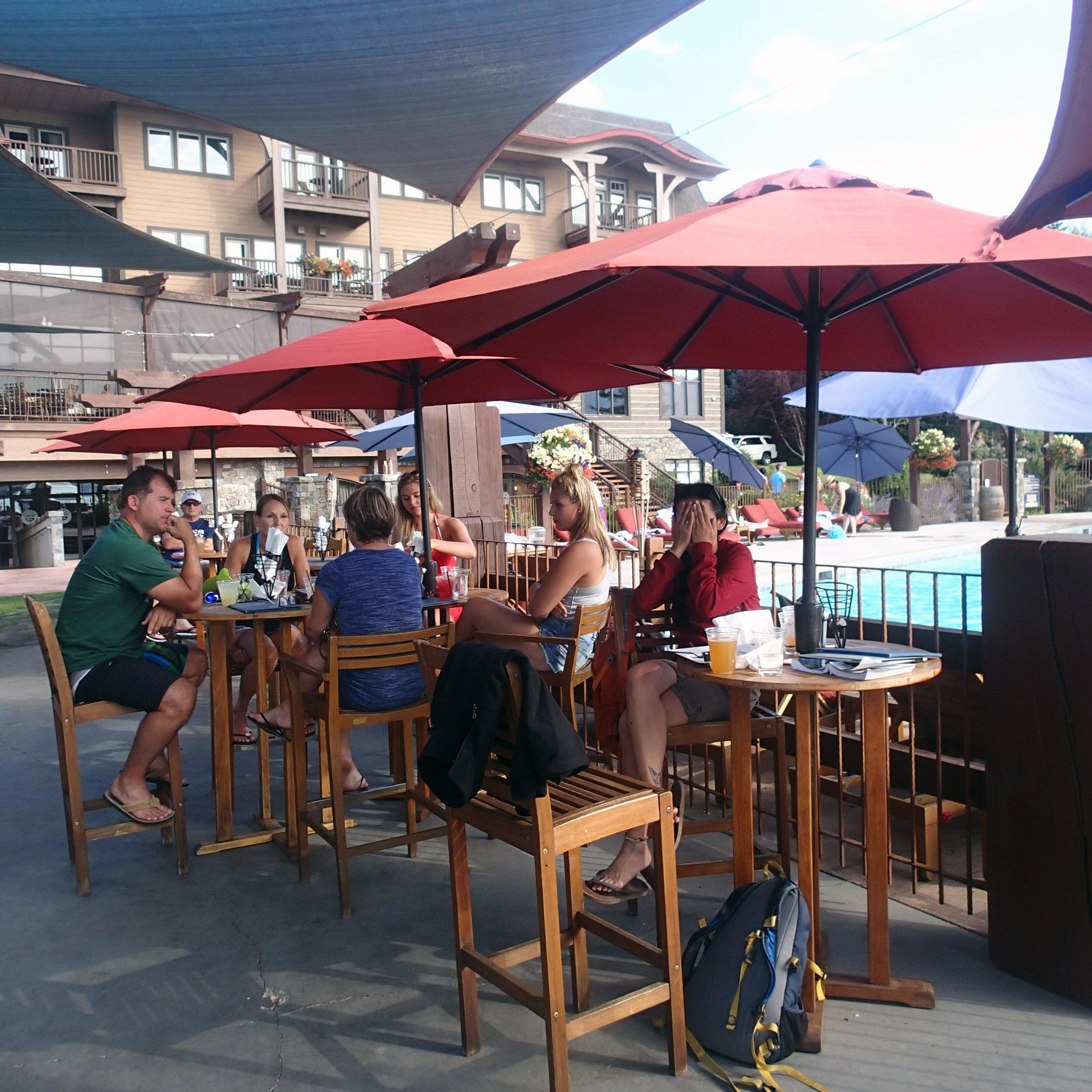 Ciao at the Tiki bar.jpg