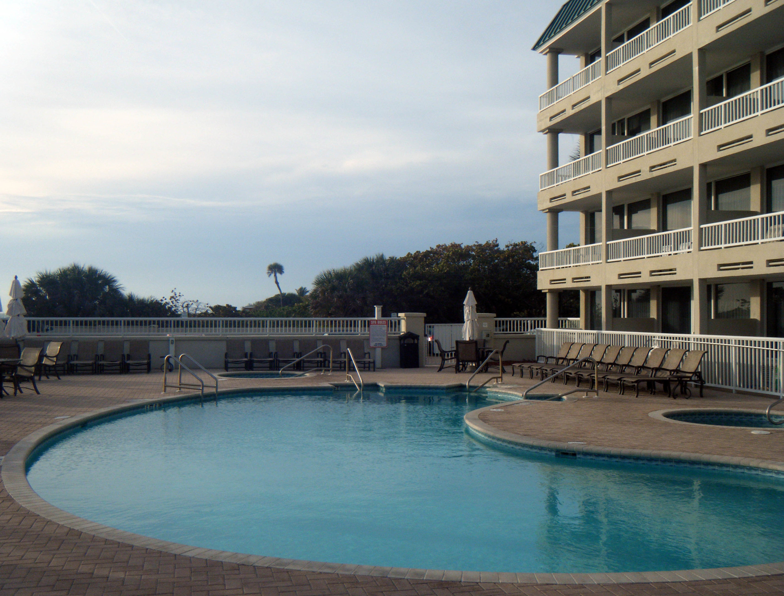 Lido Beach Resort.jpg
