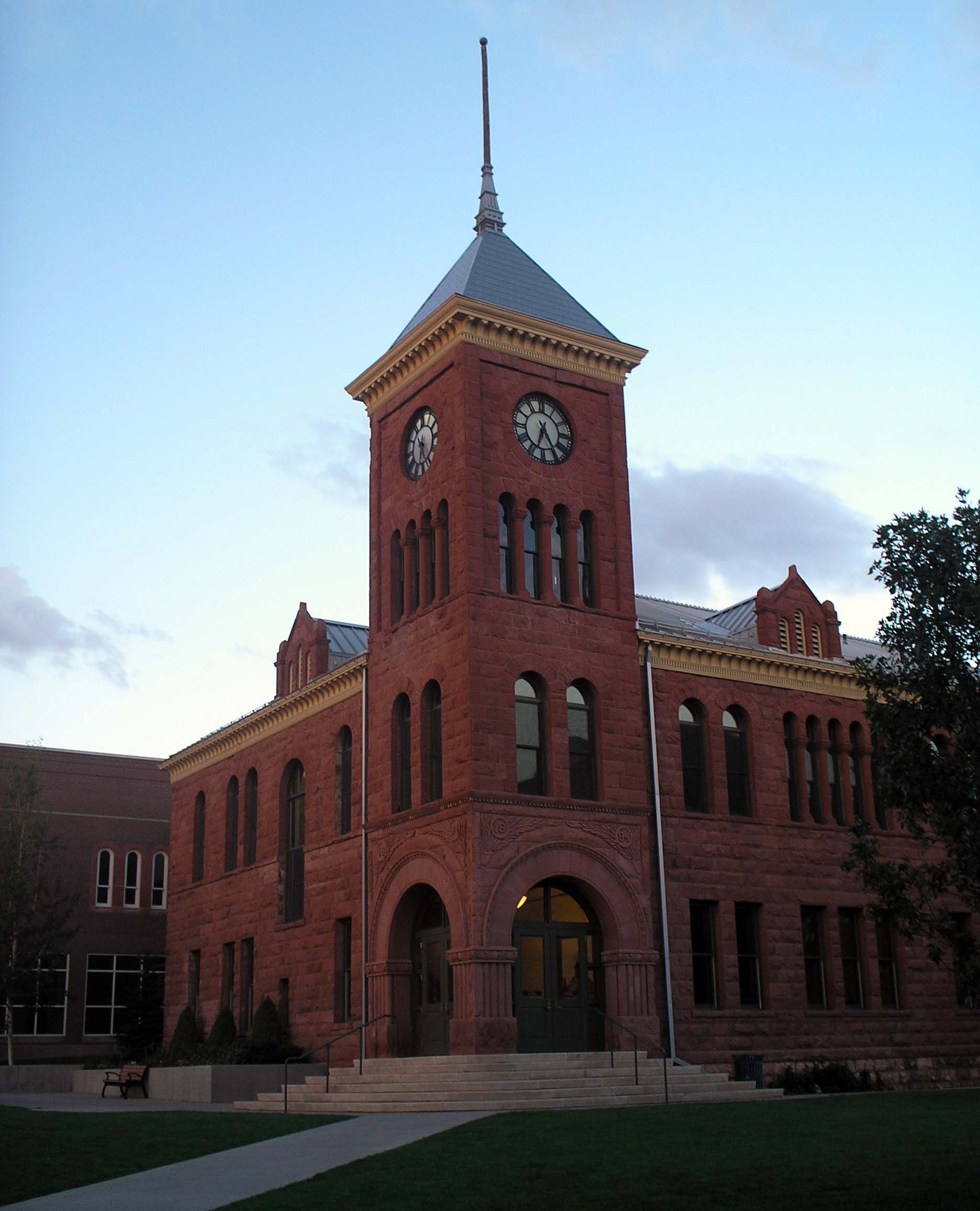 flagstaff courthouse.jpg