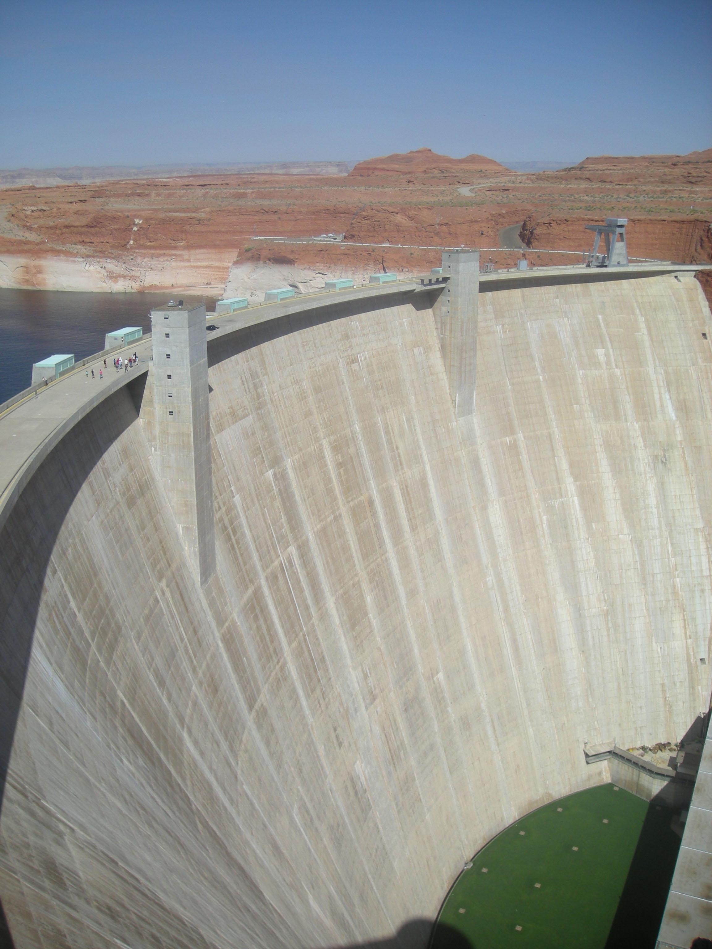 Glen Canyon dam 2.jpg