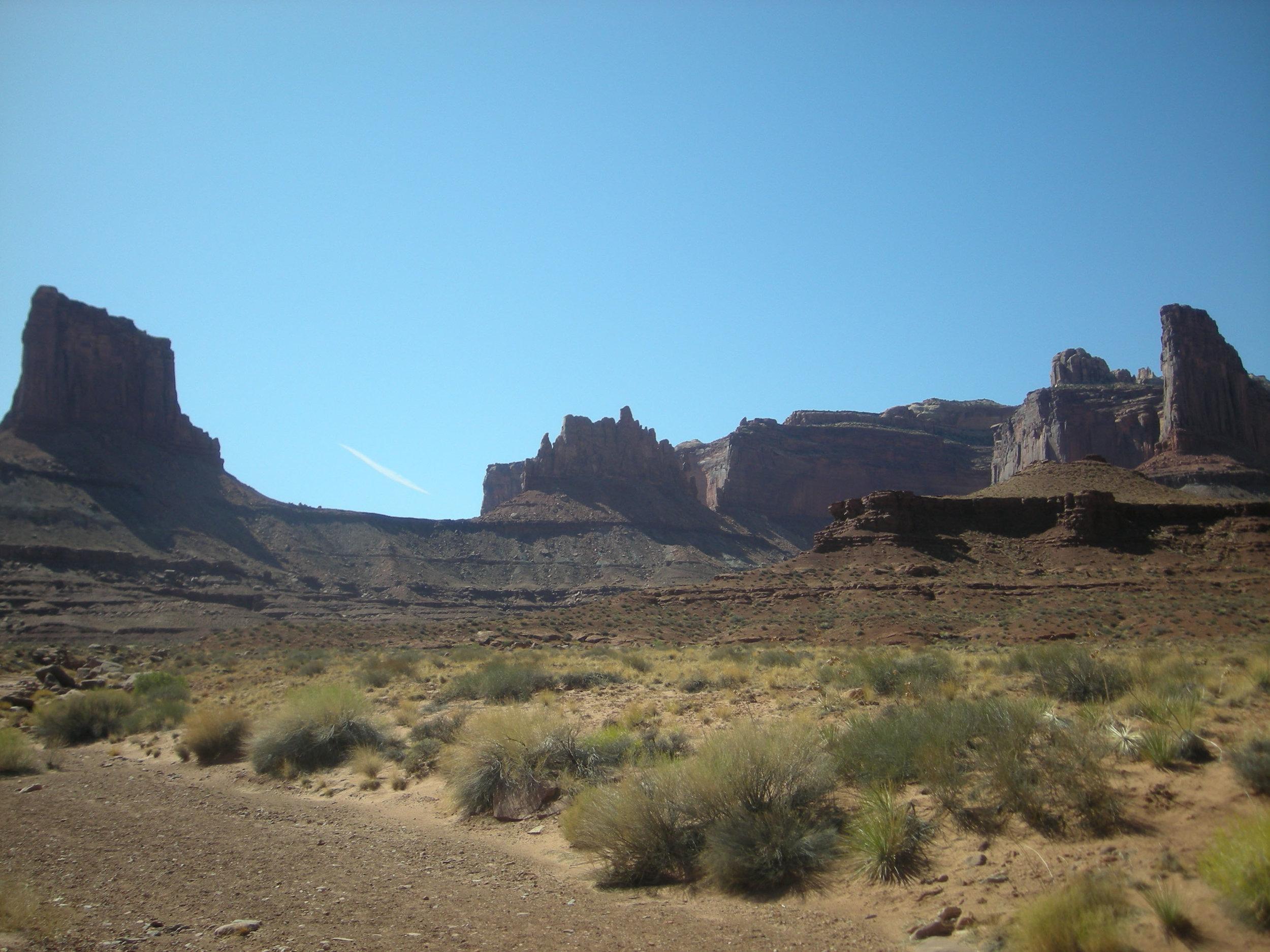 Lathrop trail Canyonlands.jpg