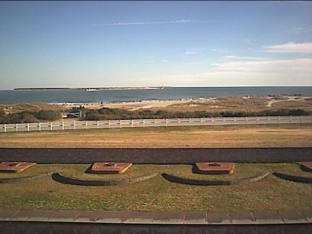 fort macon and atlantic ocean.JPG