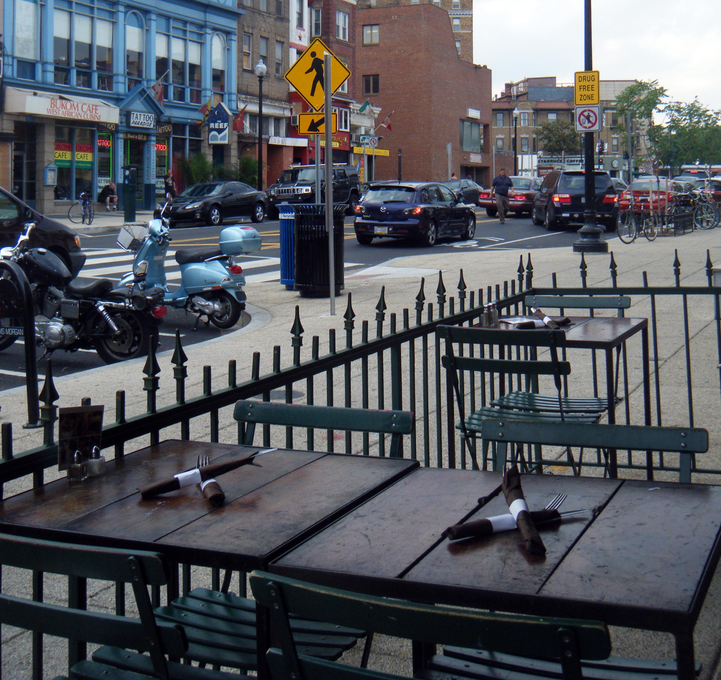 sidewalk cafe in Adams-Morgan.jpg