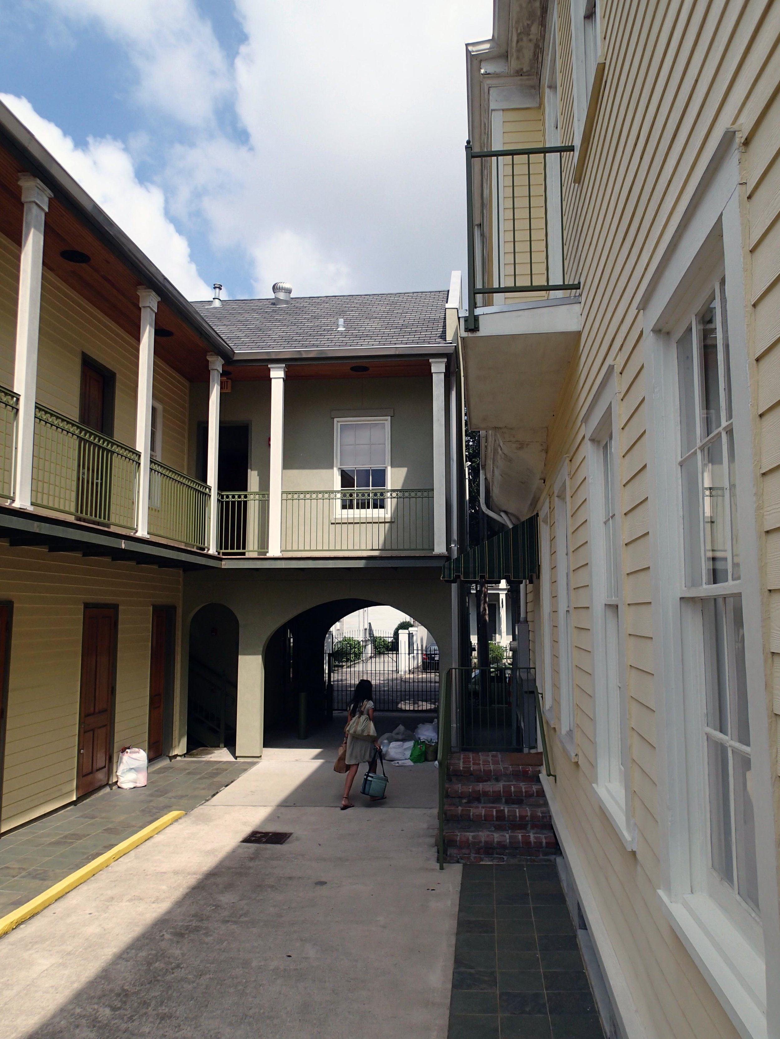 Prytania Oaks Hotel 7-28-13.jpg