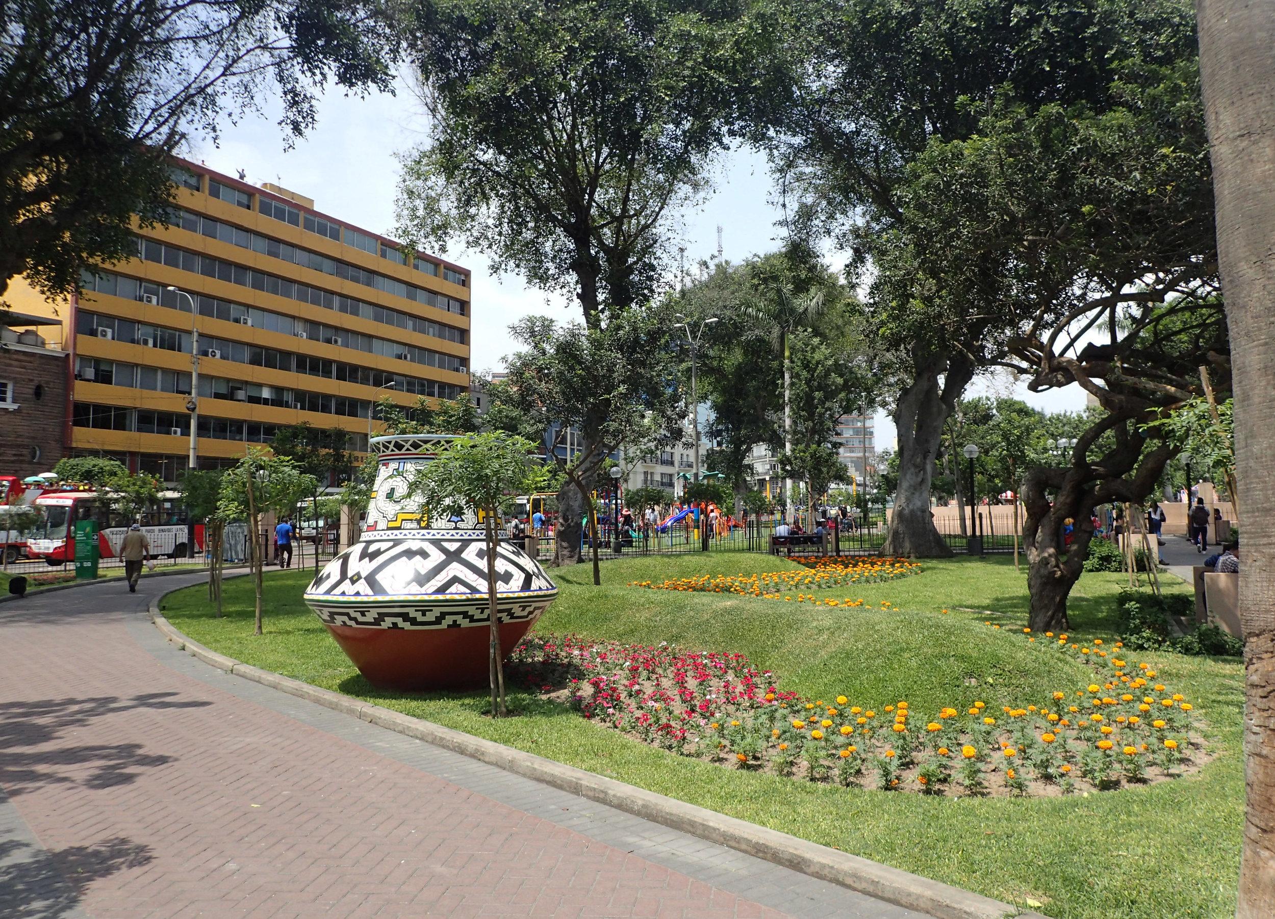 Parque Kennedy.jpg