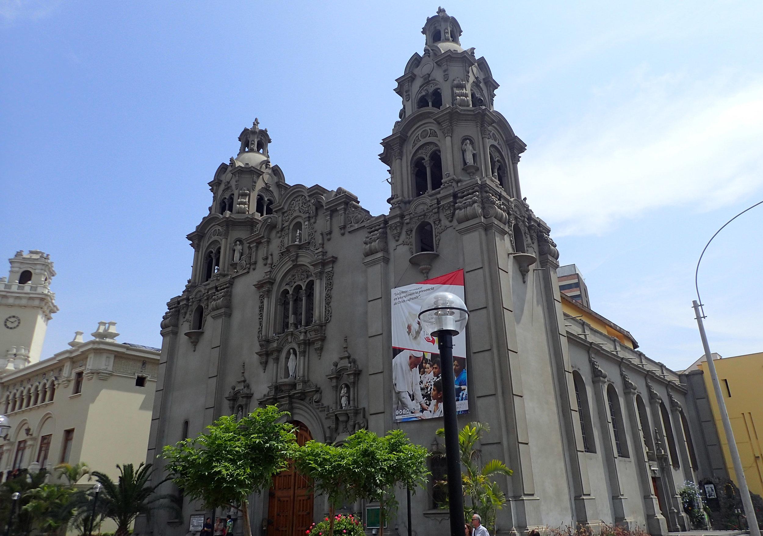 main park of Miraflores.jpg
