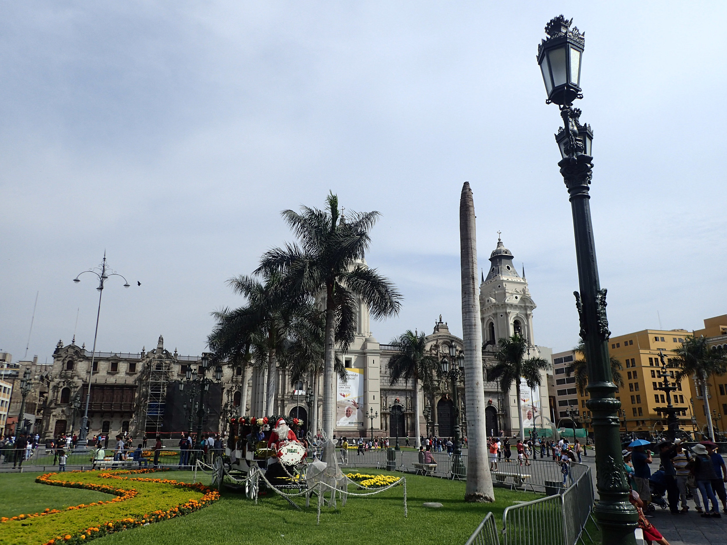 Santa in Lima.jpg