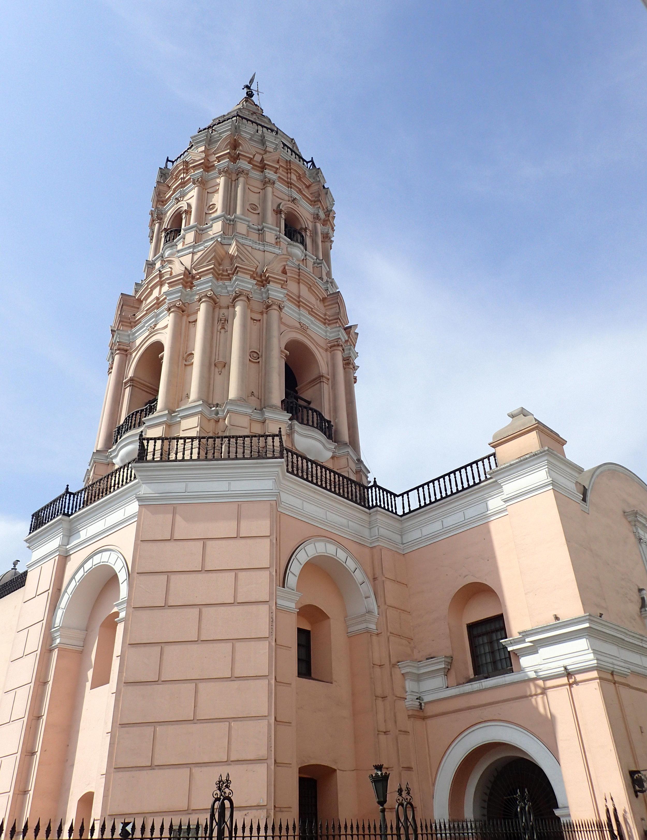 Iglesia de Santo Domingo.jpg
