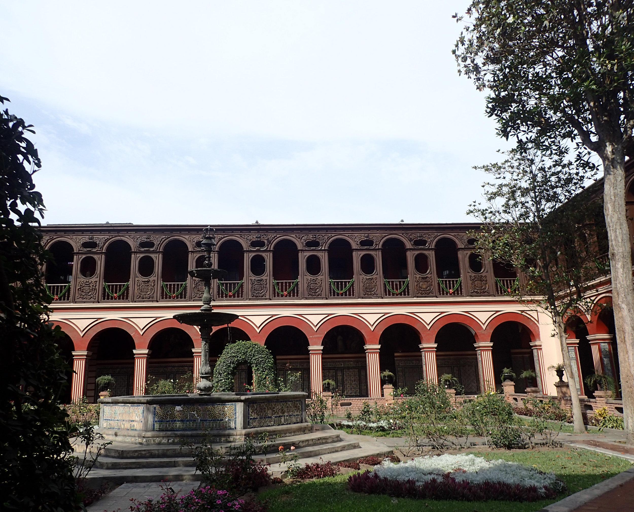 courtyard at Iglesia de Santo Domingo.jpg