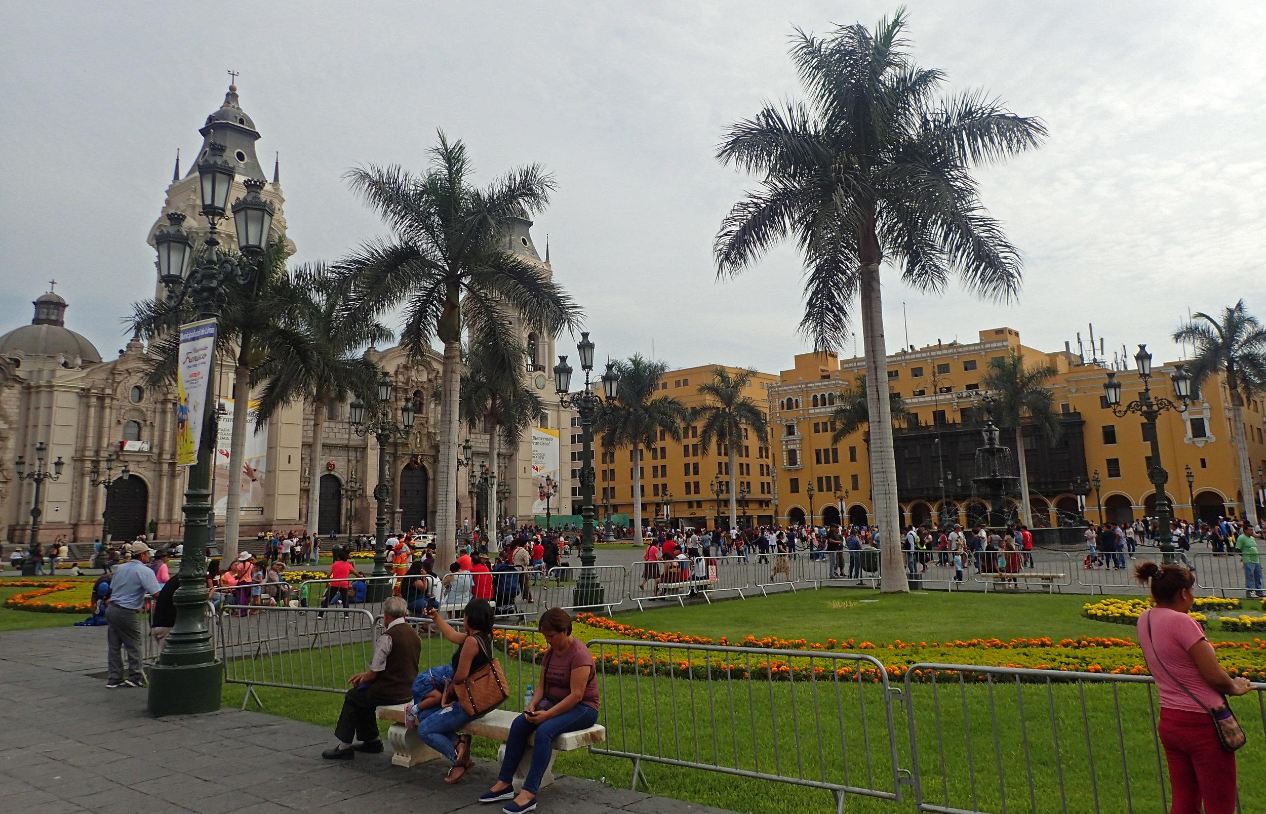 back to Plaza de Armas.jpg