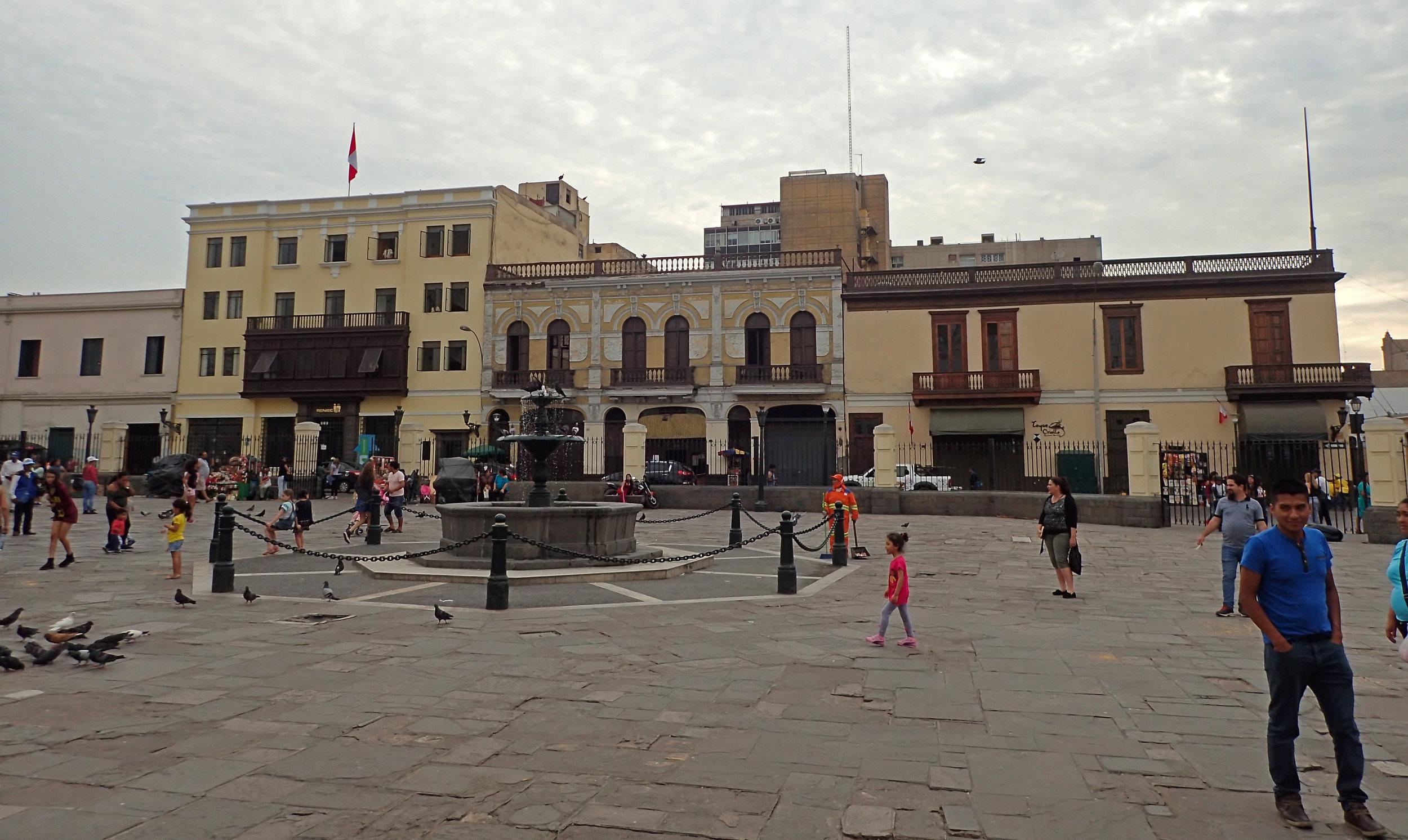 plaza near Santo Francisco.jpg