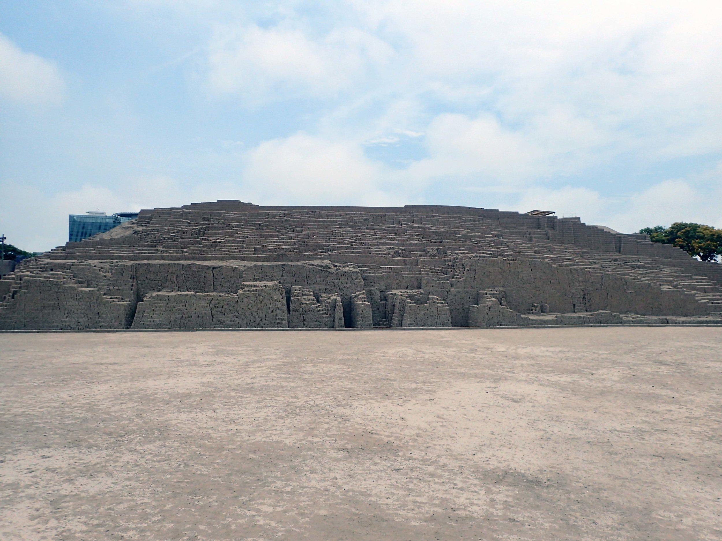 Huaca Pucllana.jpg