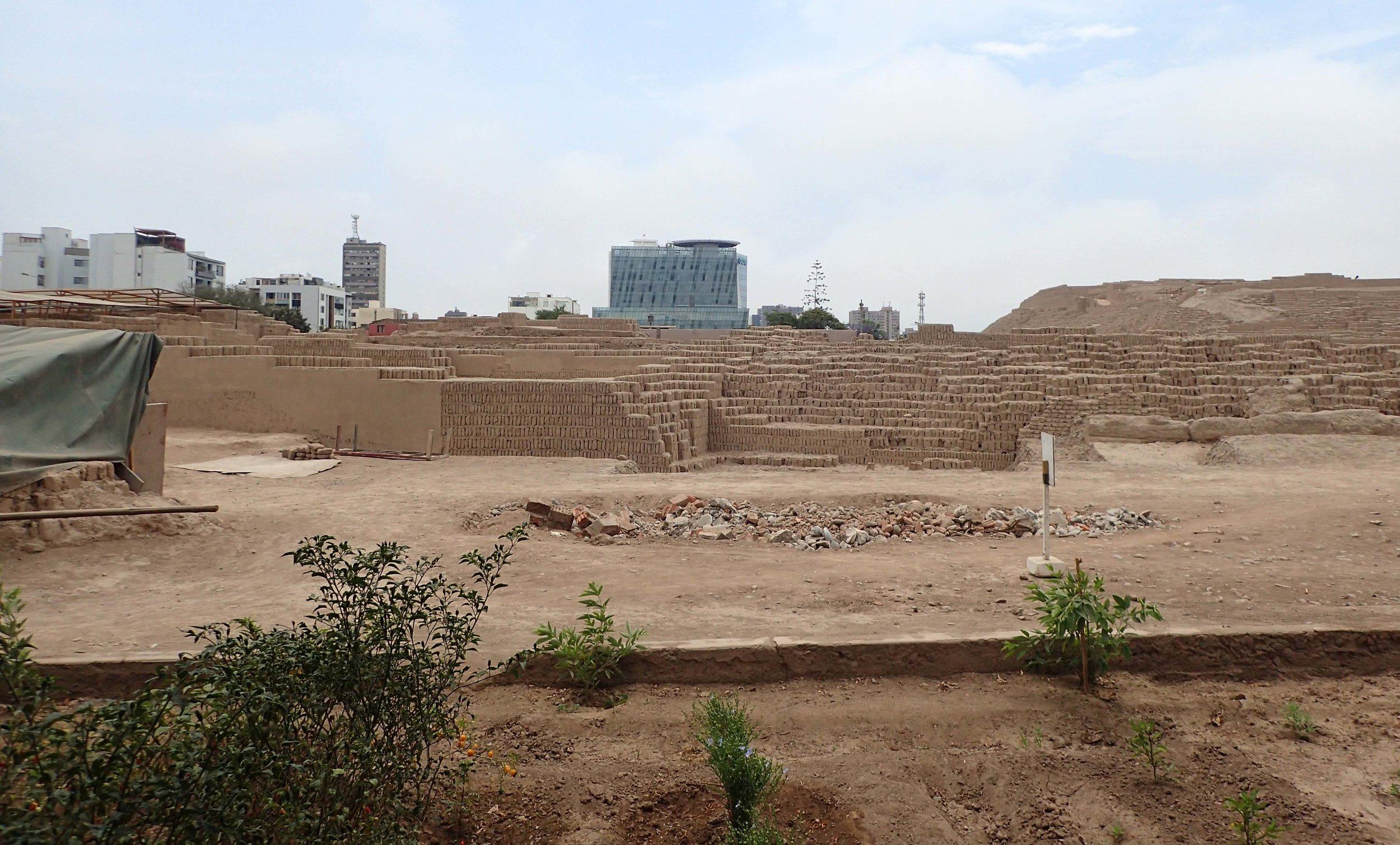 Wari ruins and skyscrapers.jpg