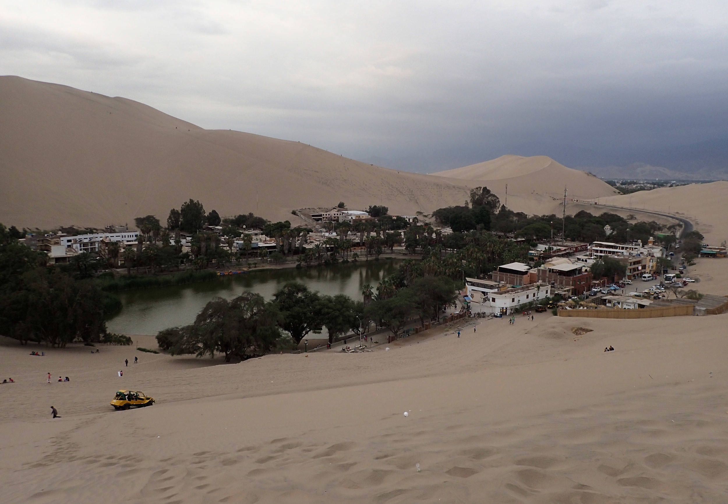 Huacachina Oasis 2.jpg
