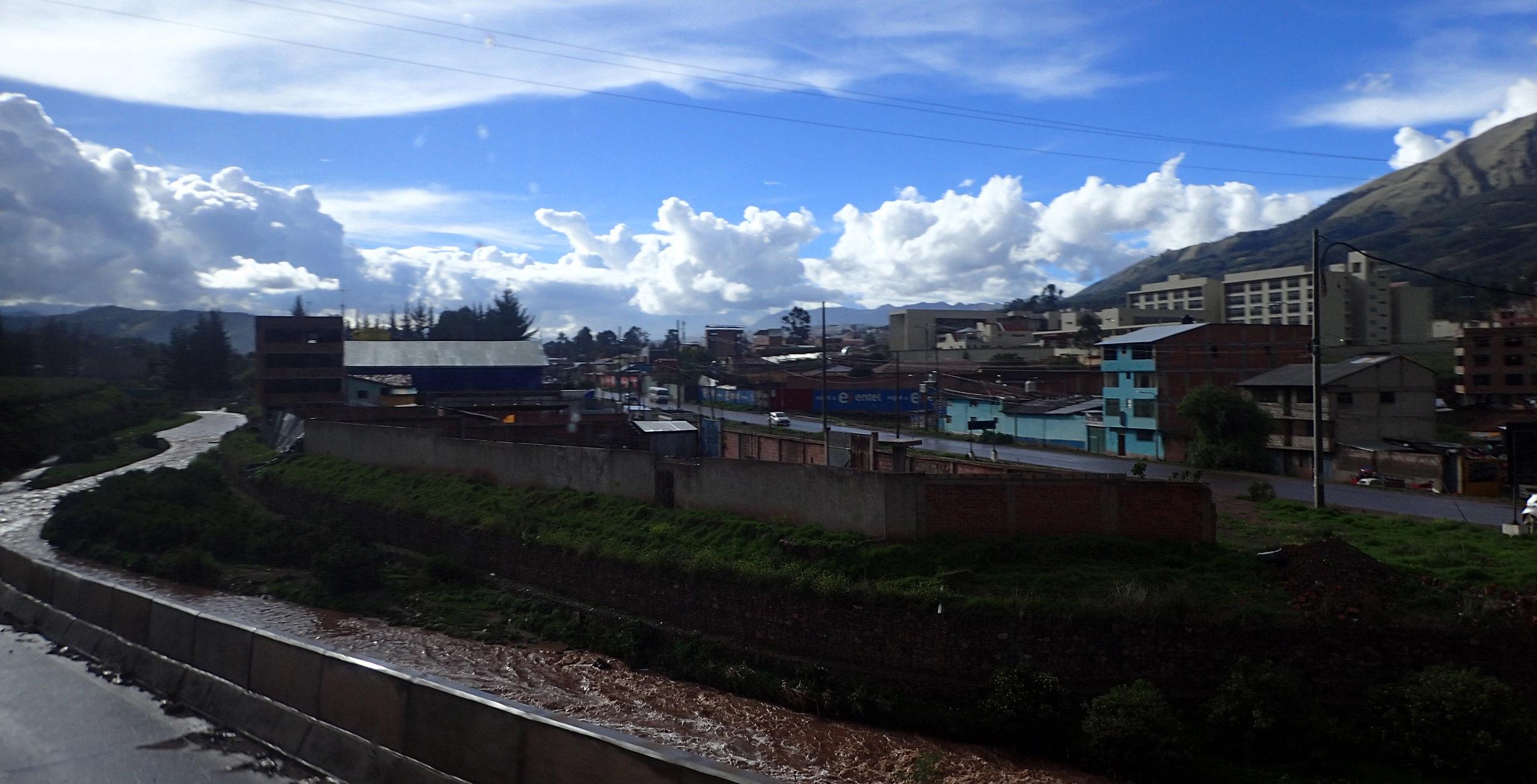 coming into Cuzco.jpg