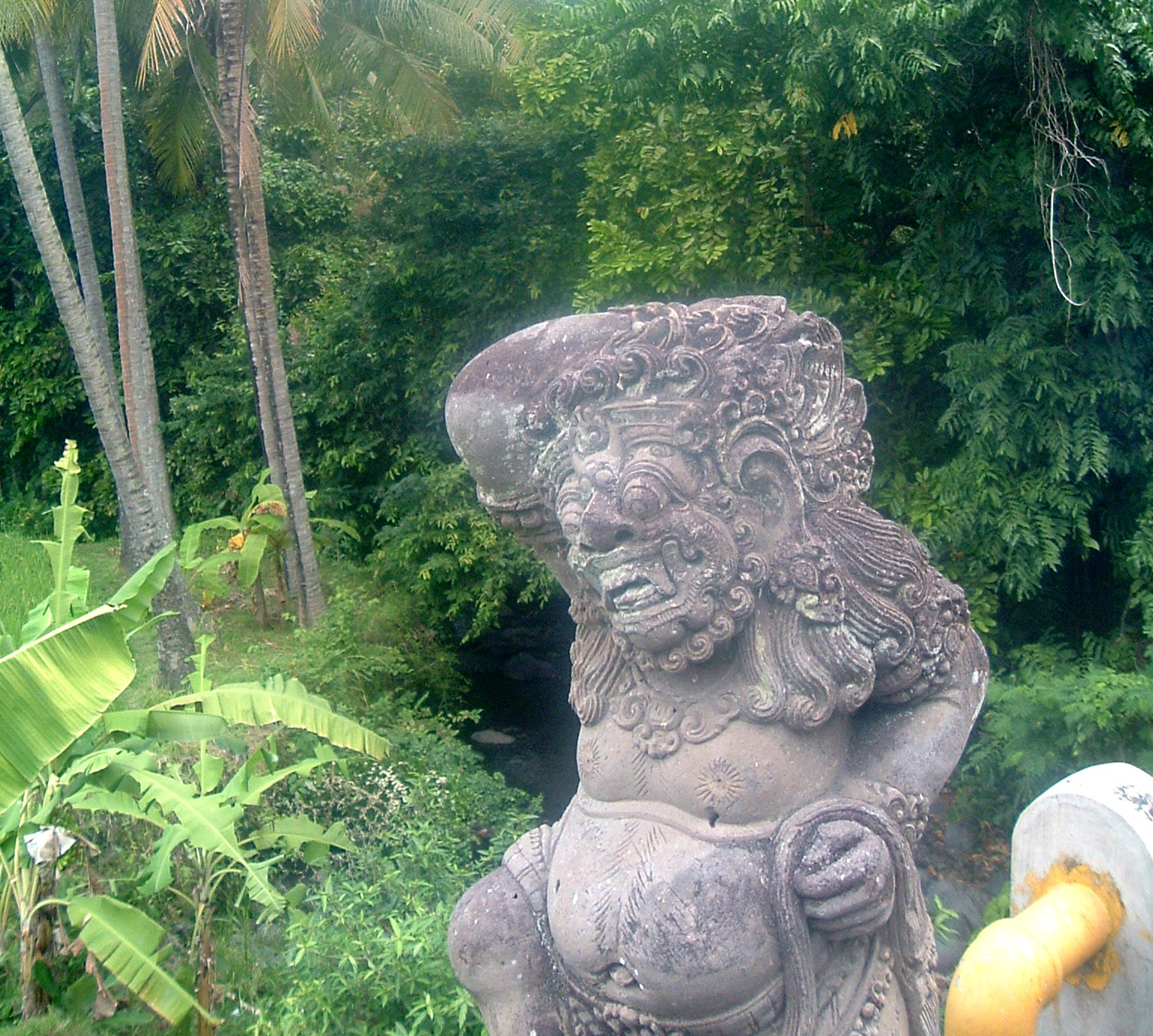 bali statue.JPG