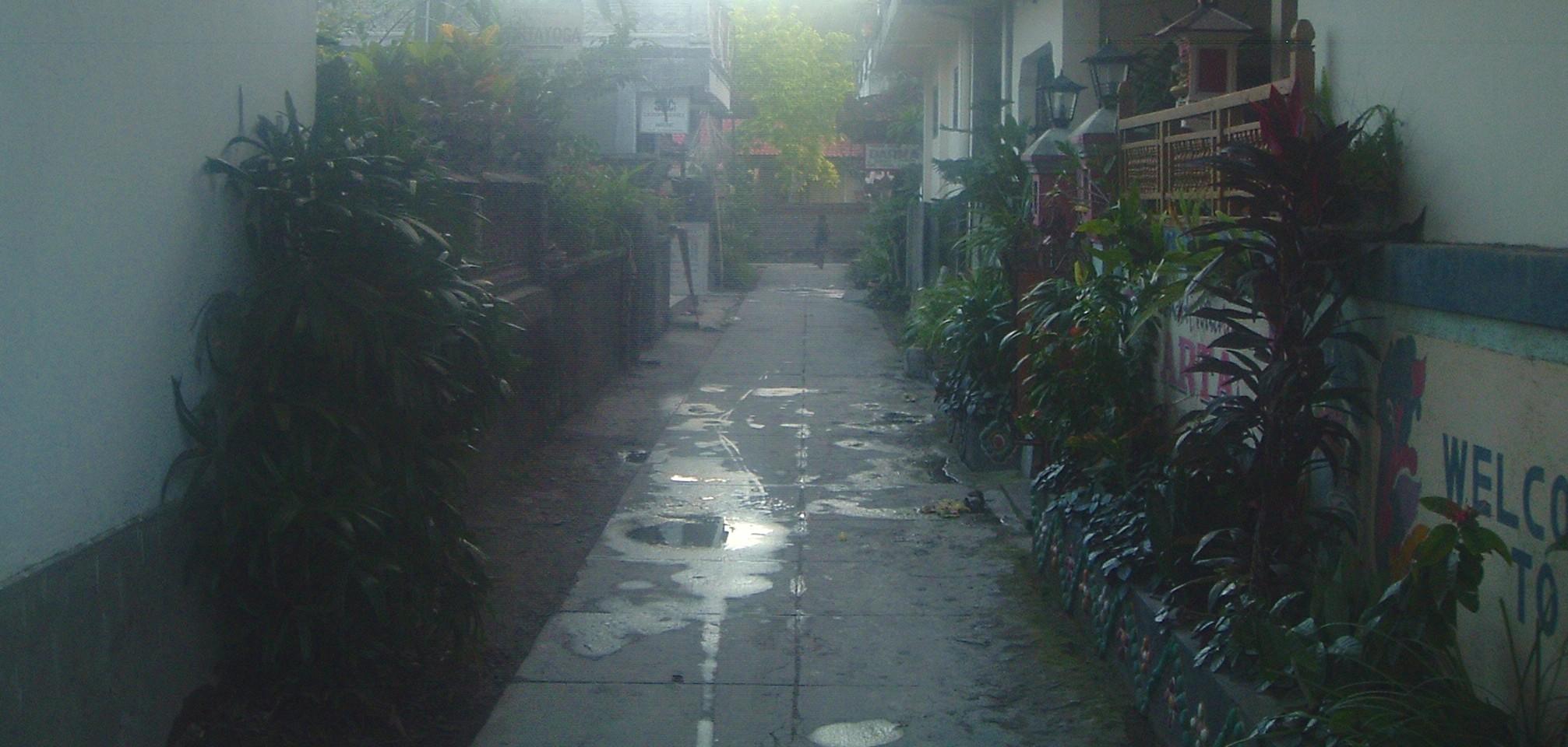 padangbai alley.JPG
