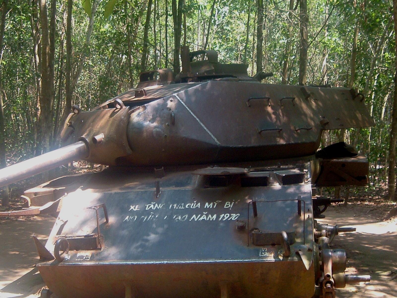 american tank in vietnam.JPG