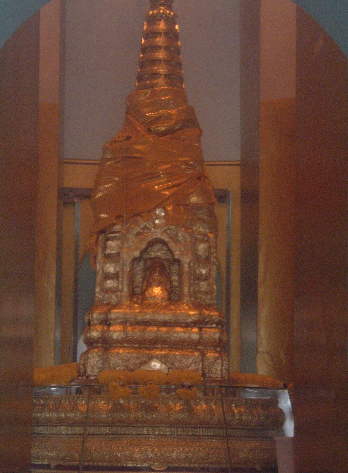 bangkok buddha.JPG