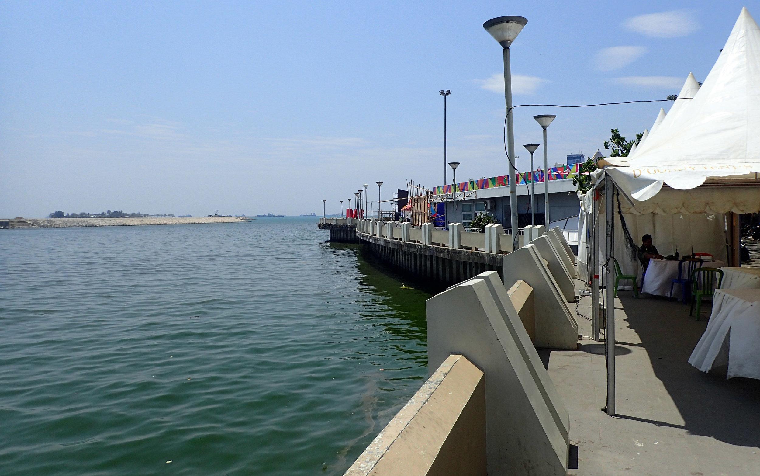 Makassar harbor.jpg