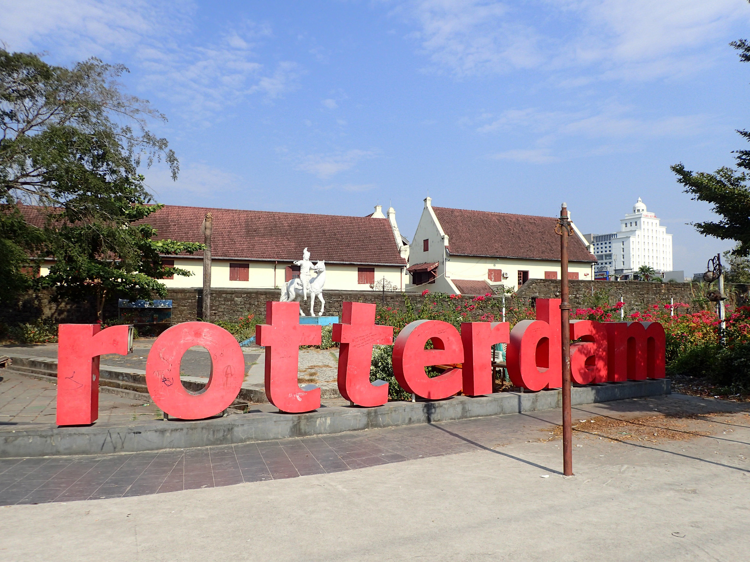 old Dutch fort in Makassar.jpg