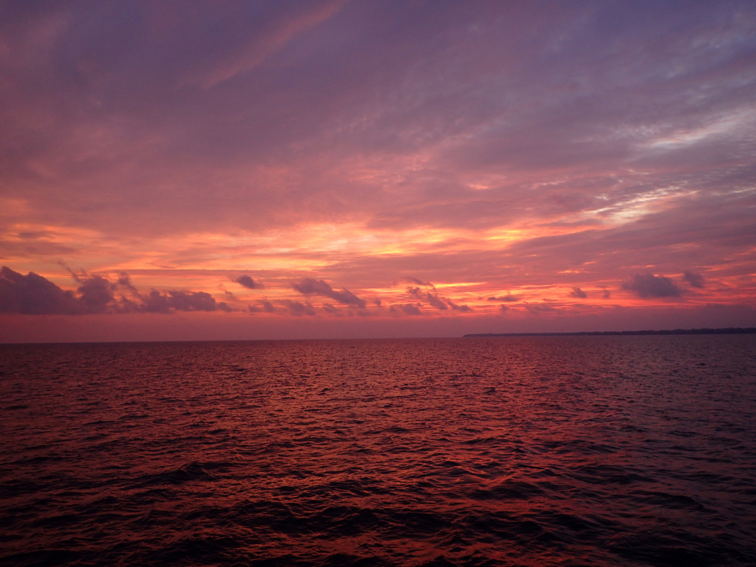 first sunset from the MSY Seahorse.jpg