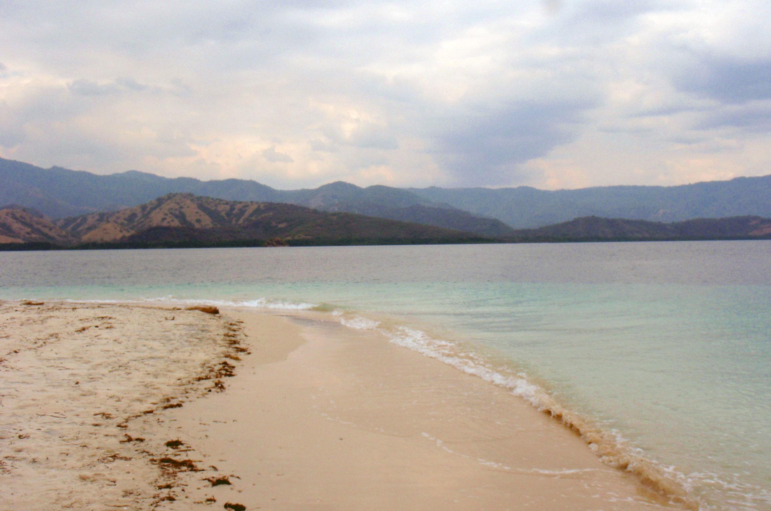 Riung Bay.jpg