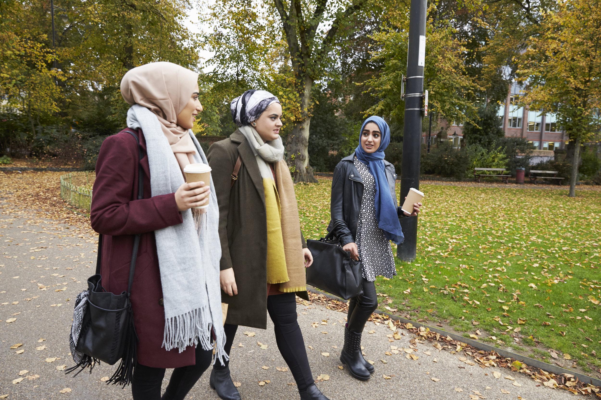 Muslim_Girls_Walking.jpg