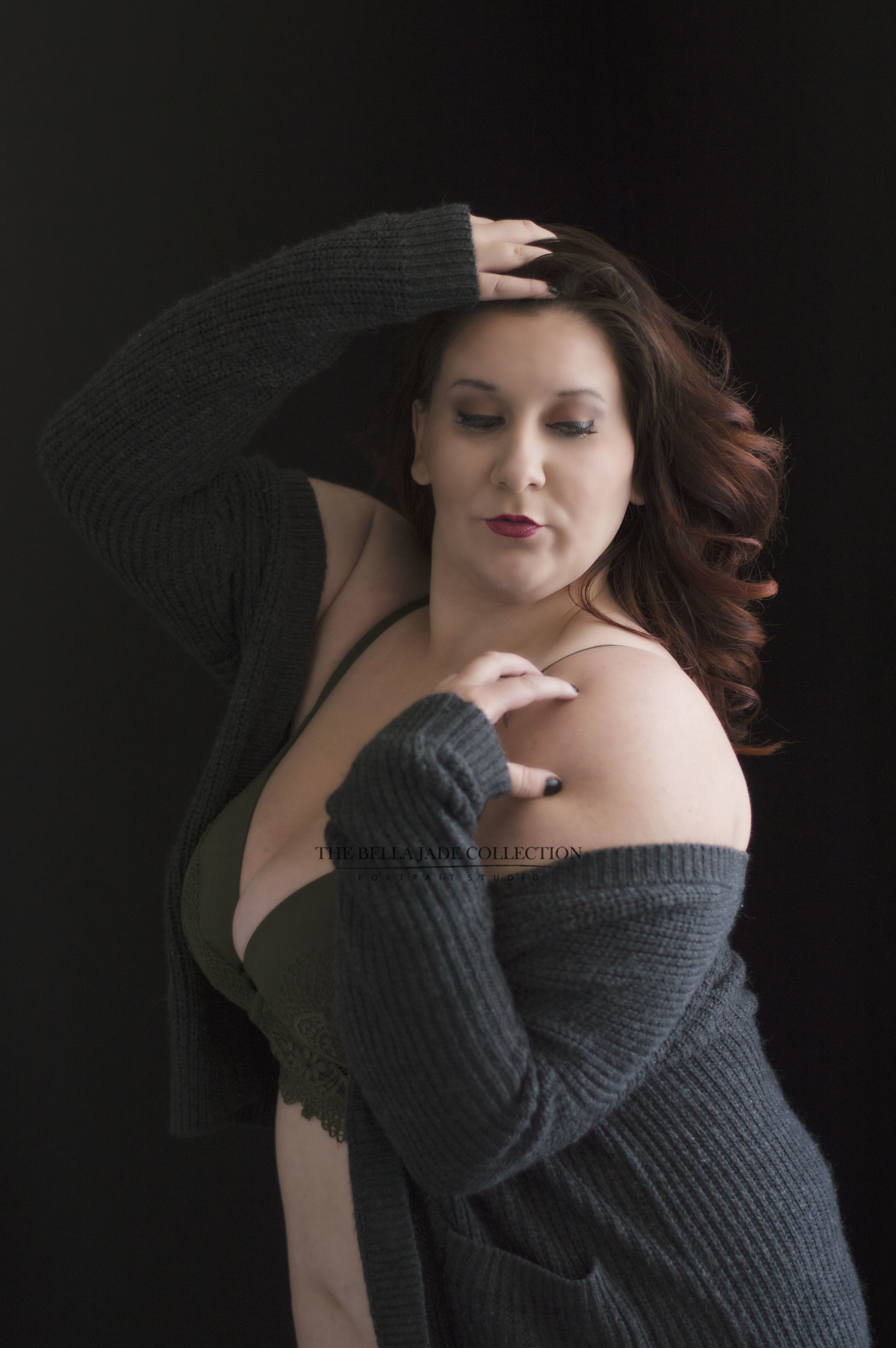 Picture of women posing for Intimate Glamour Photo Shoot at The Bella Jade Collection - a boutique portrait photography studio specializing in women's portraiture offering professional boudoir photography in Phoenix, Scottsdale, Tempe, Mesa Chandler, Gilbert area.