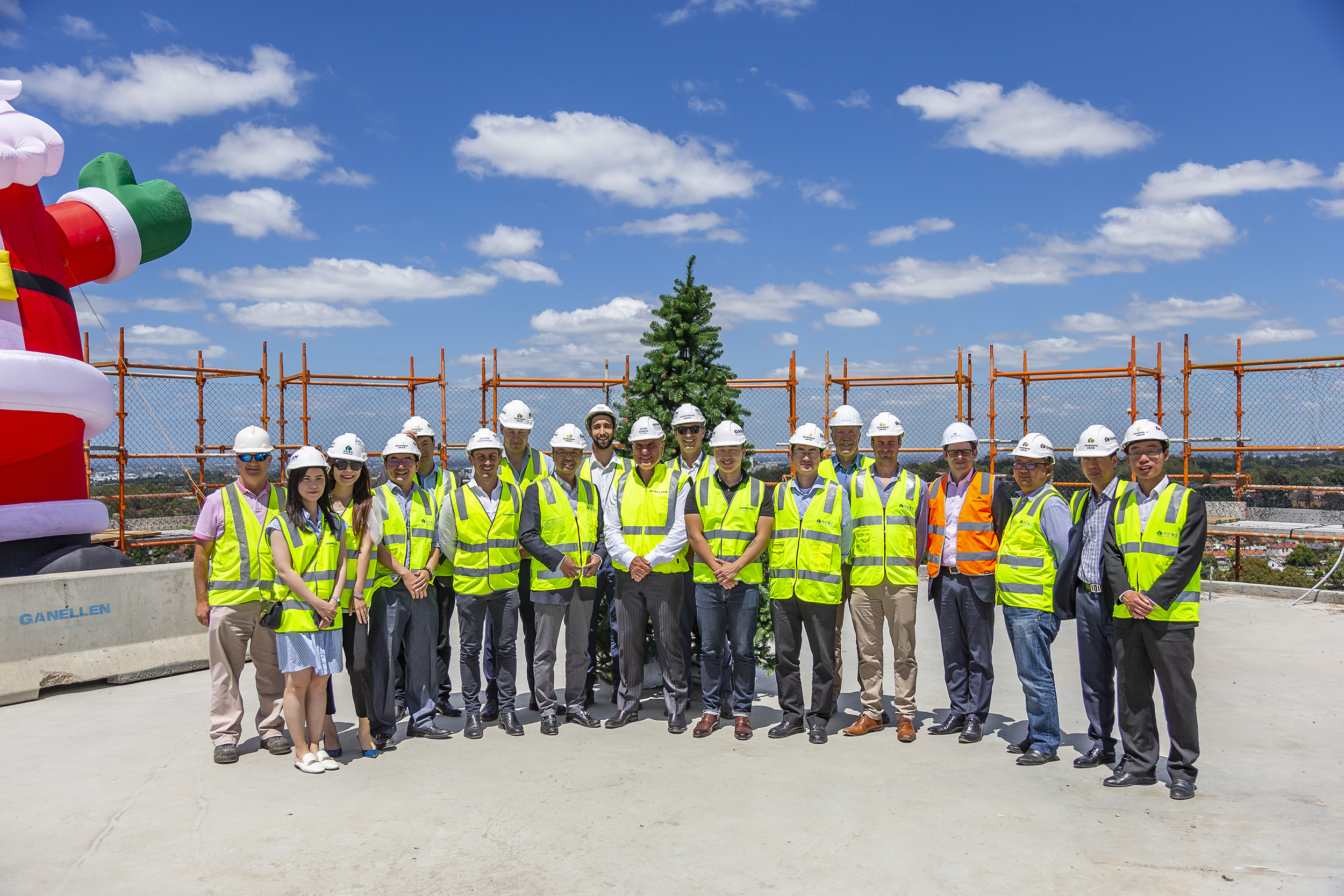 4_nbh topping out_002.jpg