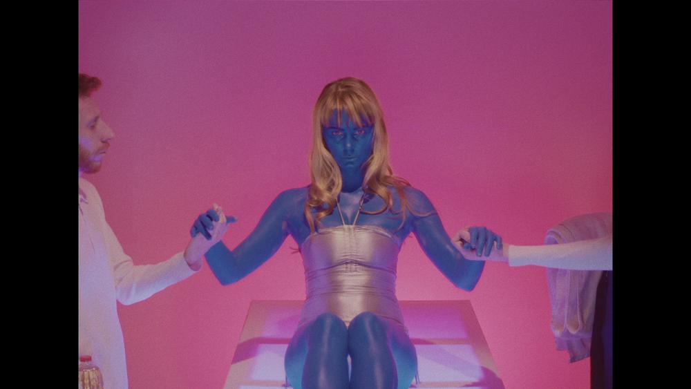 - Profil de Face X Vendredi sur Mer - La femme à la peau bleue