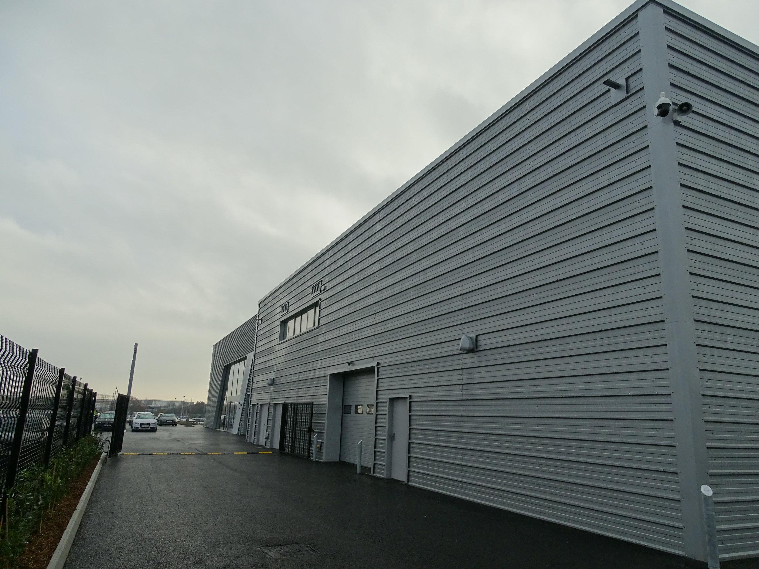 Kingspan horizontal composite wall cladding