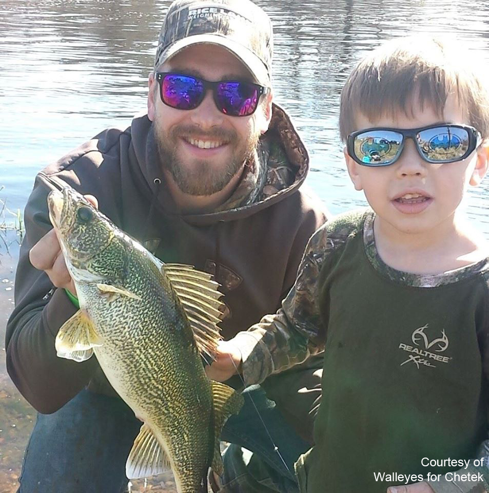 Click here to visit Walleyes for chetek on facebook