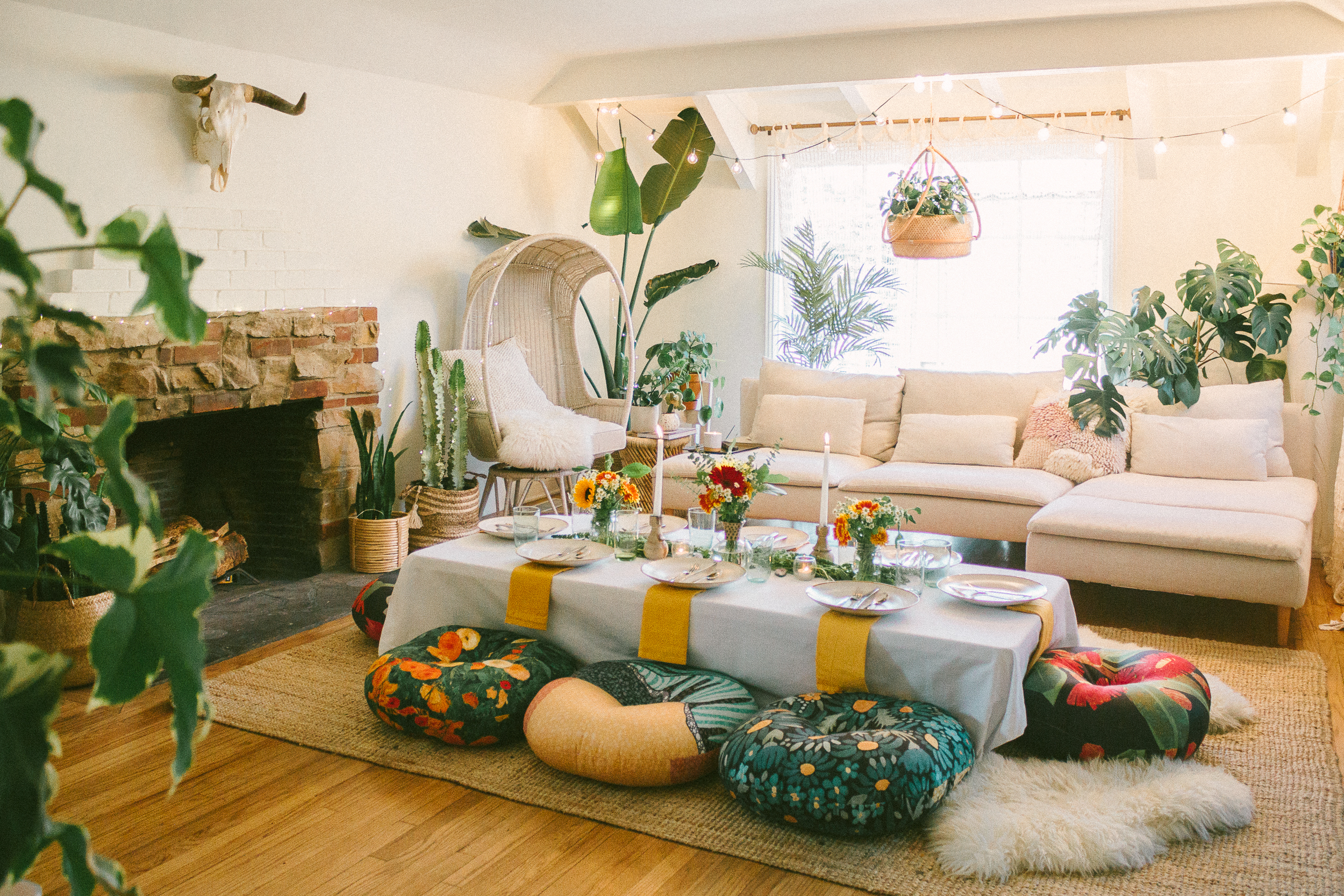 How To Style a Fun Floor-Seated Friendsgiving — Black & Blooms