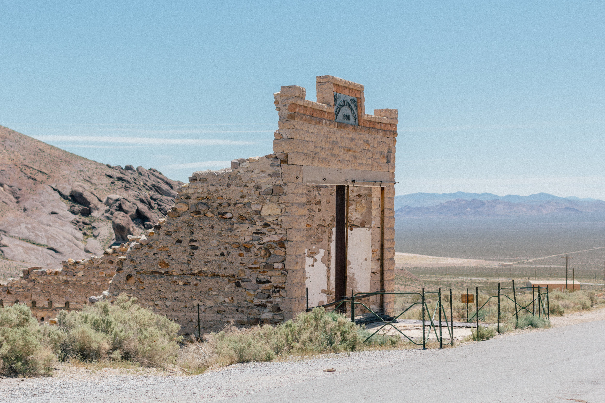 death valley ghost town rhyolite 2